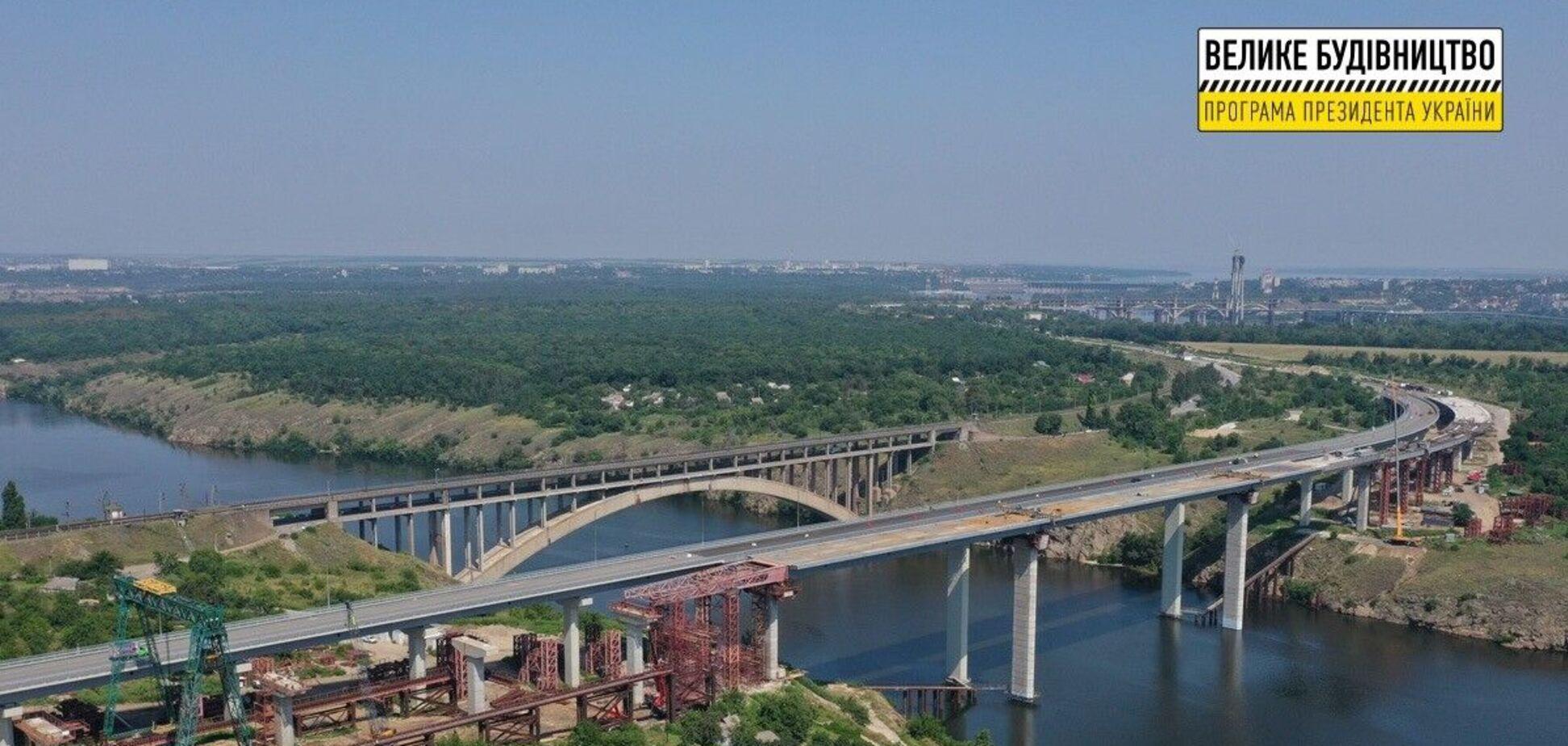 Роботи на новому мосту у Запоріжжі буде завершено до кінця року