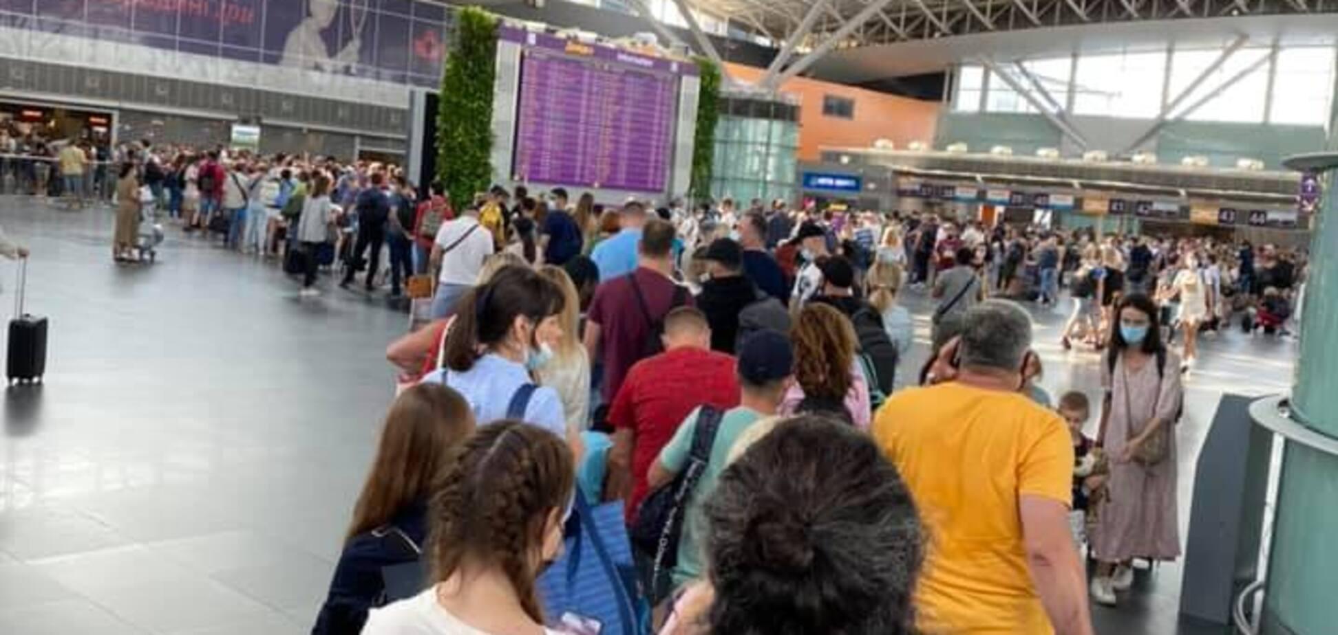 Для детей в аэропорту есть отдельный вход: почему в Борисполе об этом молчат?