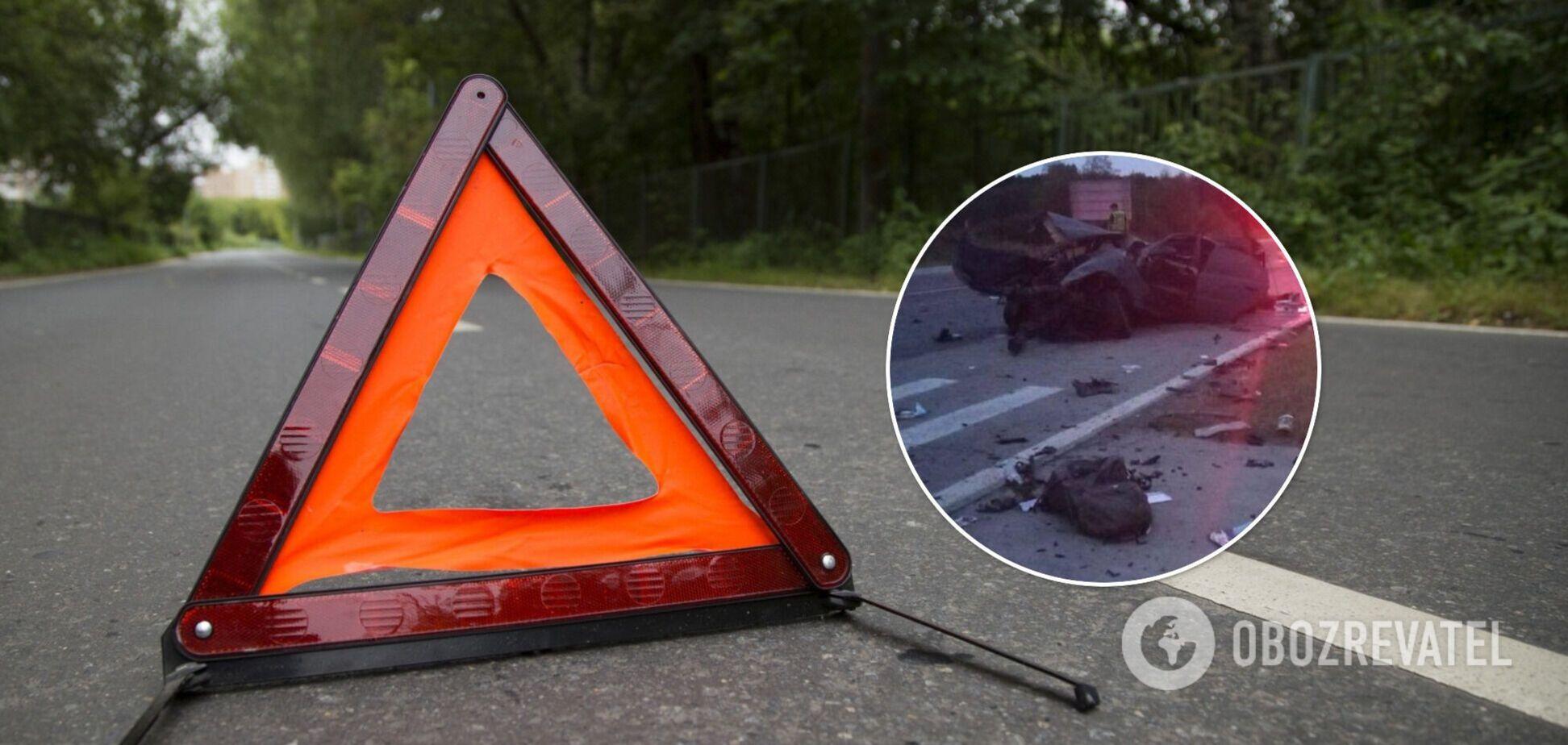 На Житомирщине в ДТП погибли отец и 10-летняя дочь: авто превратилось в груду металла. Фото