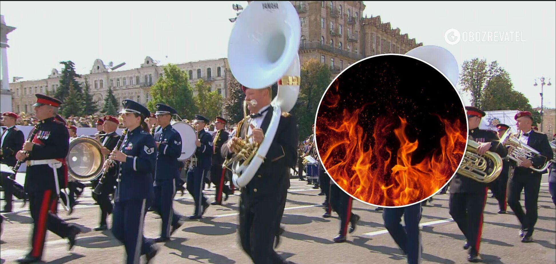 В Киеве мужчина попытался совершить самосожжение во время парада. Видео