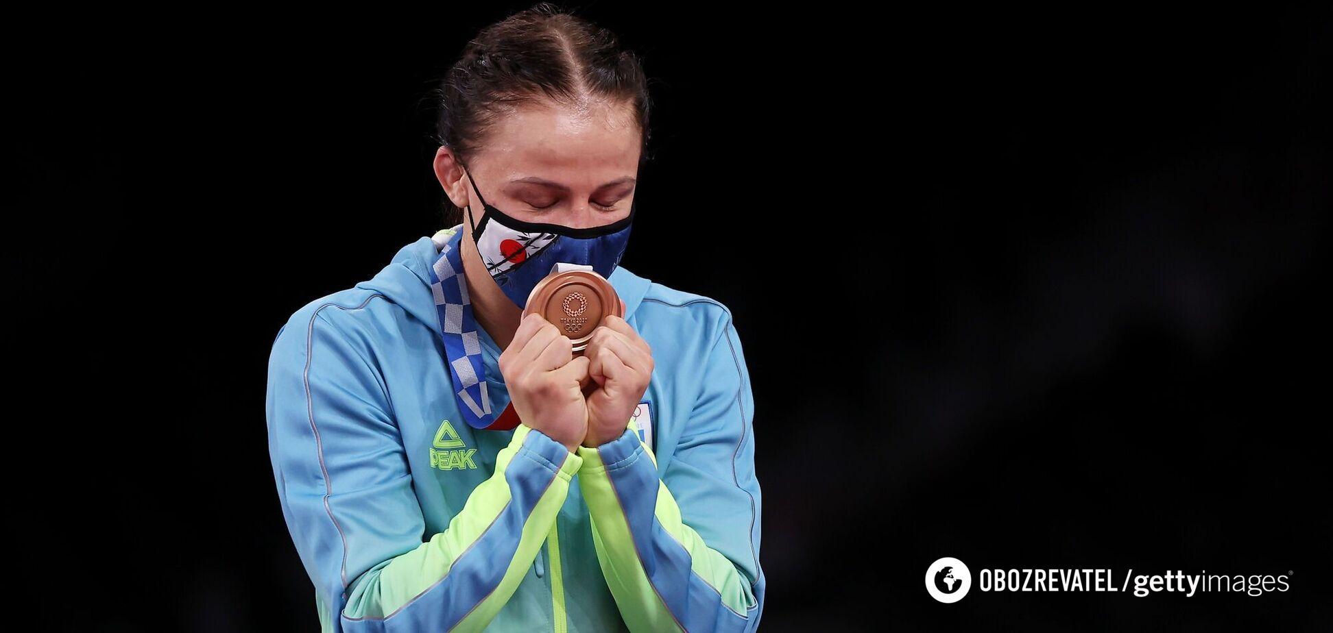 Українська спортсменка подарувала своєму тренеру квартиру, отриману за 'бронзу' Олімпіади-2020