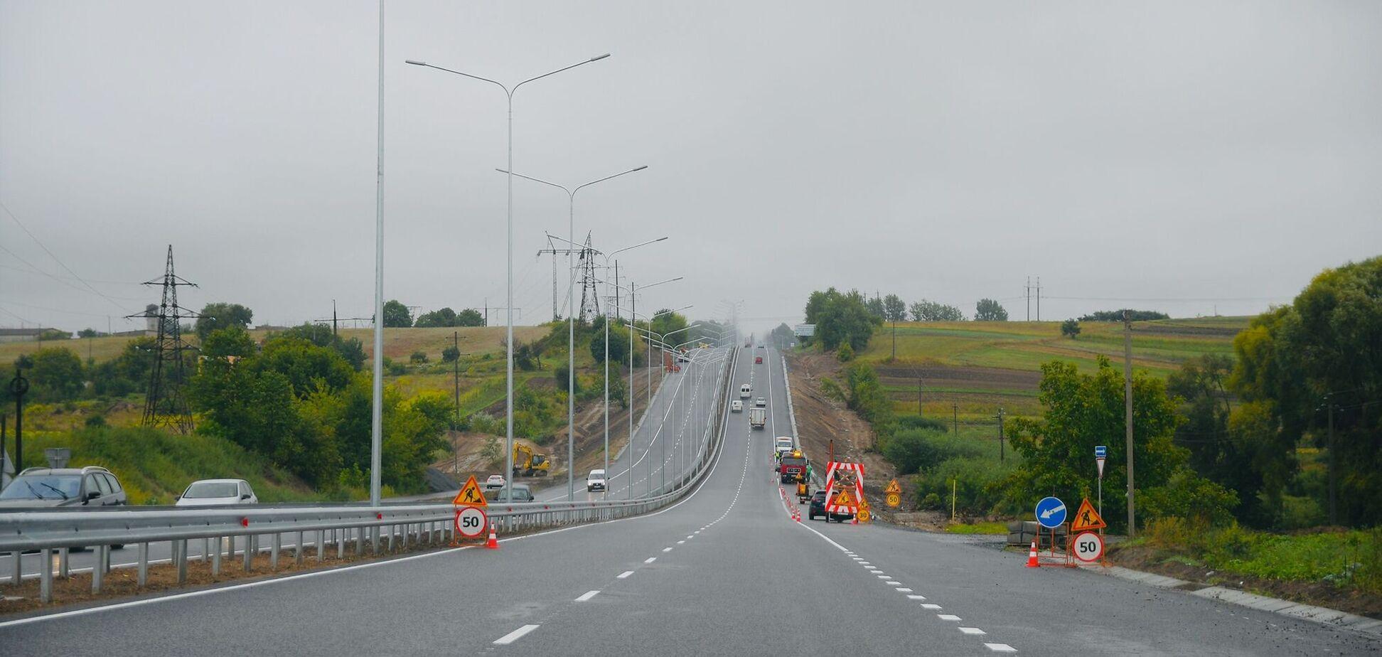 Біля Рівного відкрили рух дорогою на Луцьк: траса після 'Великого будівництва' ідеальна