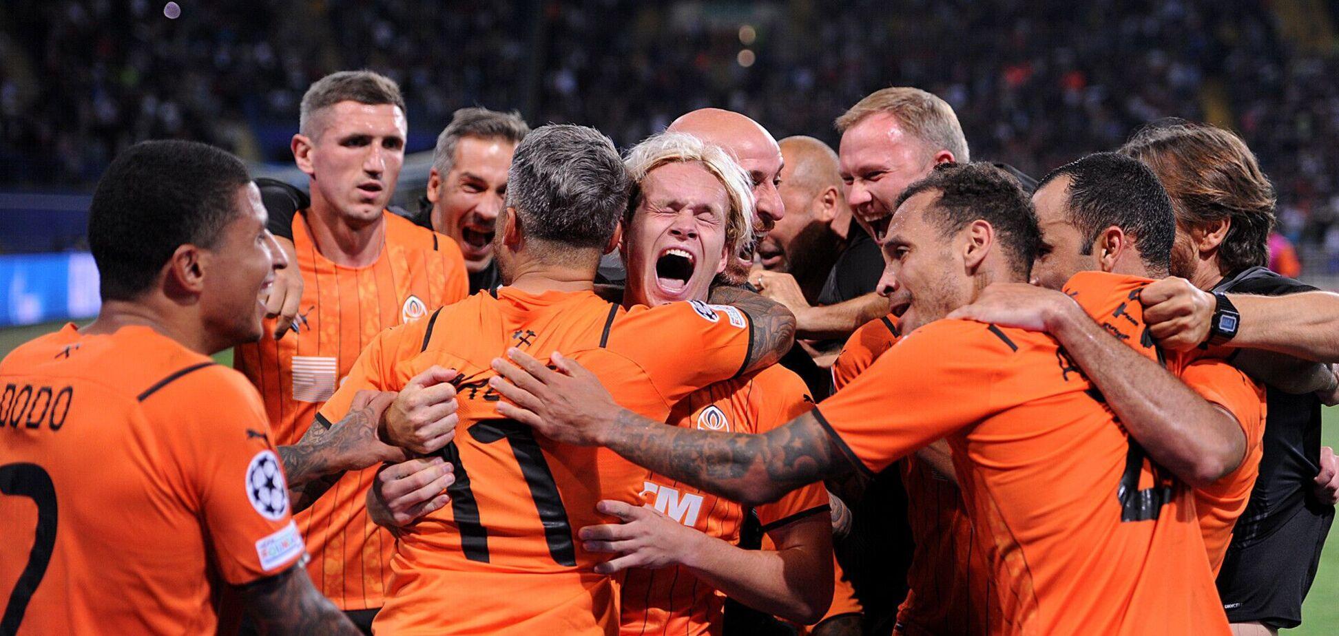 Игроки 'Шахтера' празднуют победу над 'Монако'