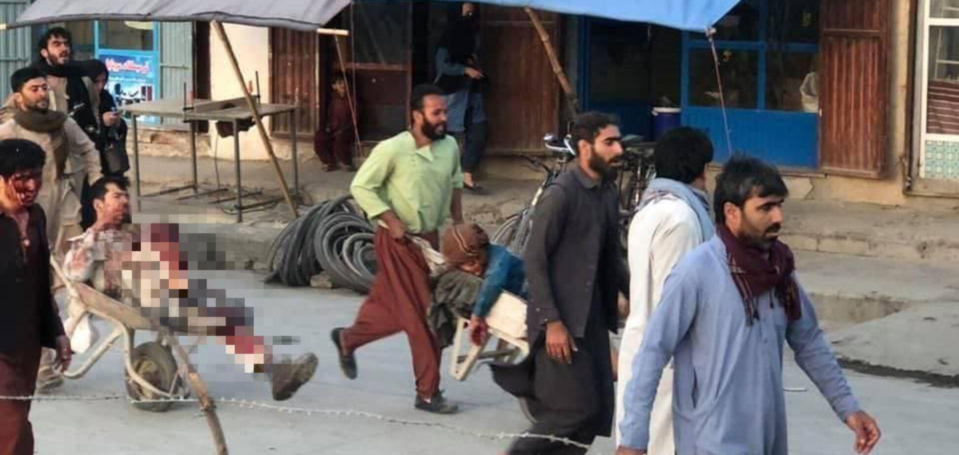 Біля аеропорту Кабула прогриміли вибухи: загинули військові США
