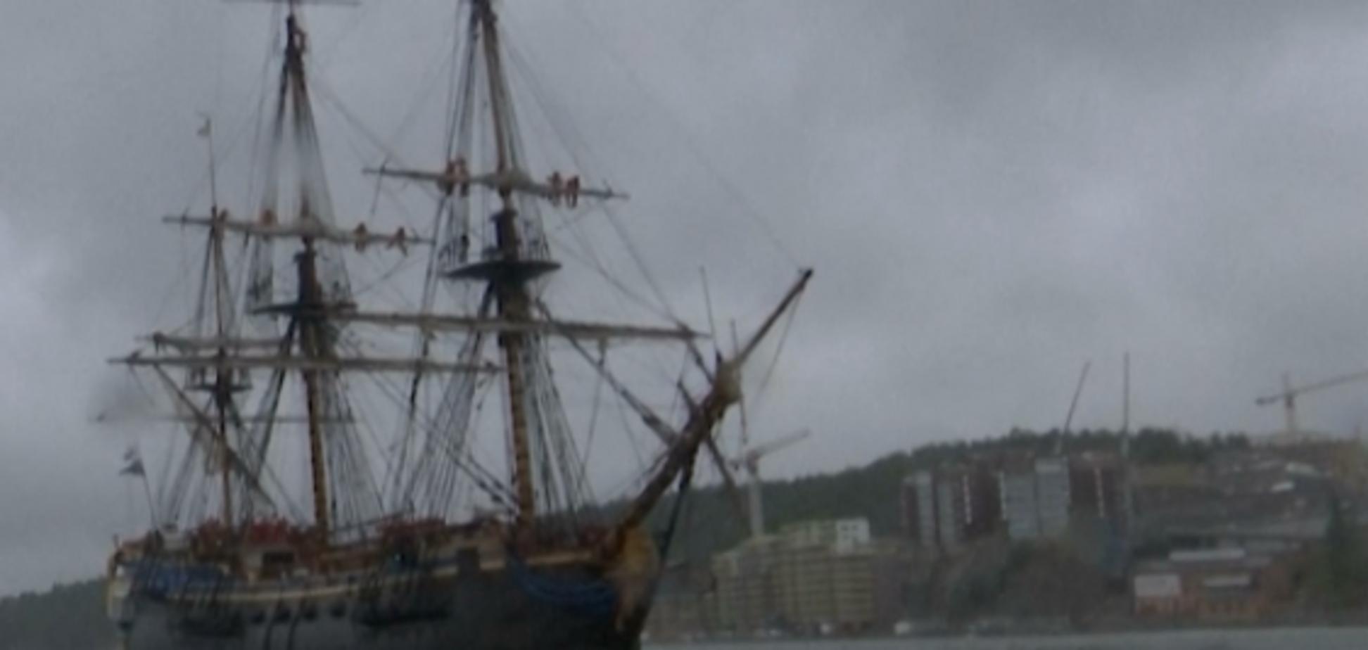 Повторяет обстановку 18 века: как выглядит самый большой в мире парусный корабль