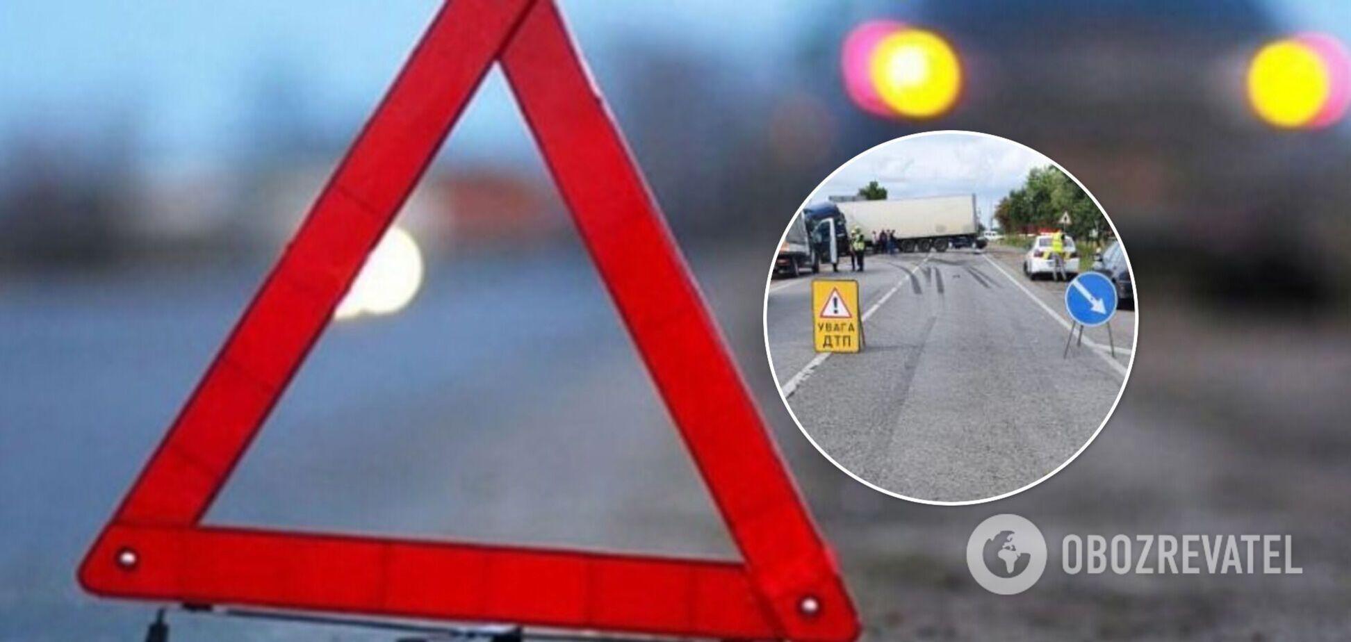 На Львівщині в ДТП загинула 11-річна дівчинка, три людини травмовані. Фото