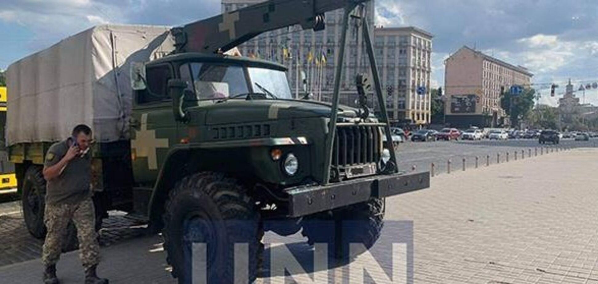 В Киеве военный грузовик протаранил три автомобиля