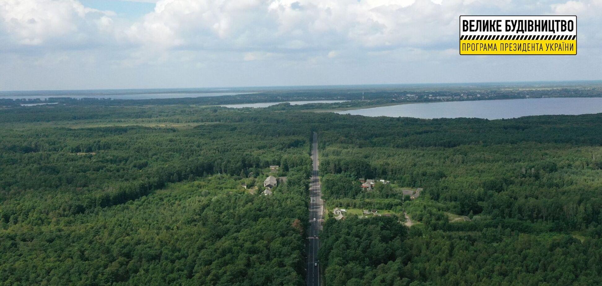 На Волыни в рамках 'Большой стройки' Зеленского обновили дороги к Шацким озерам