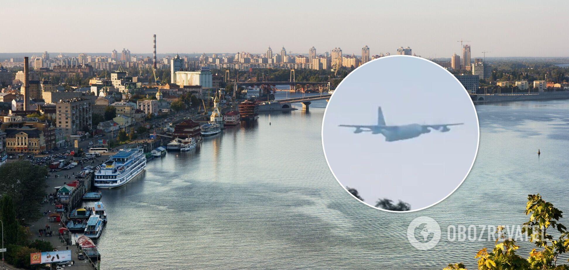 У столиці над Дніпром пролетіли два MC-130J Commando II