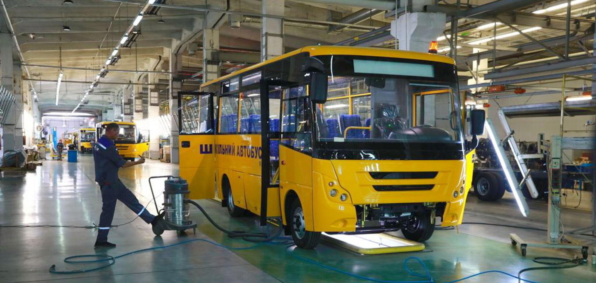 Українські школярі їздитимуть на автобусах ЗАЗ