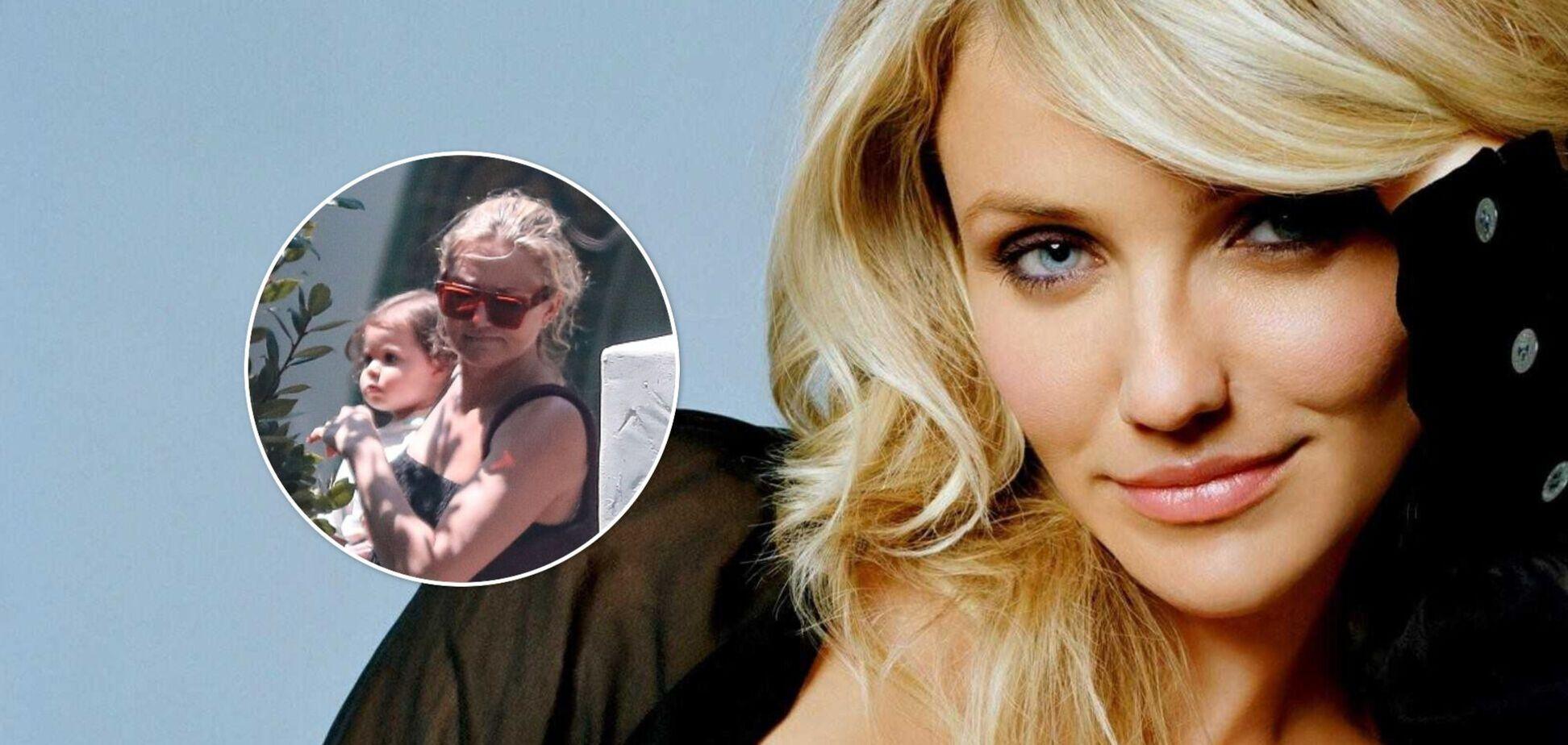 Кэмерон Диас попала в объективы папарацци со своей полуторагодовалой дочерью. Фото