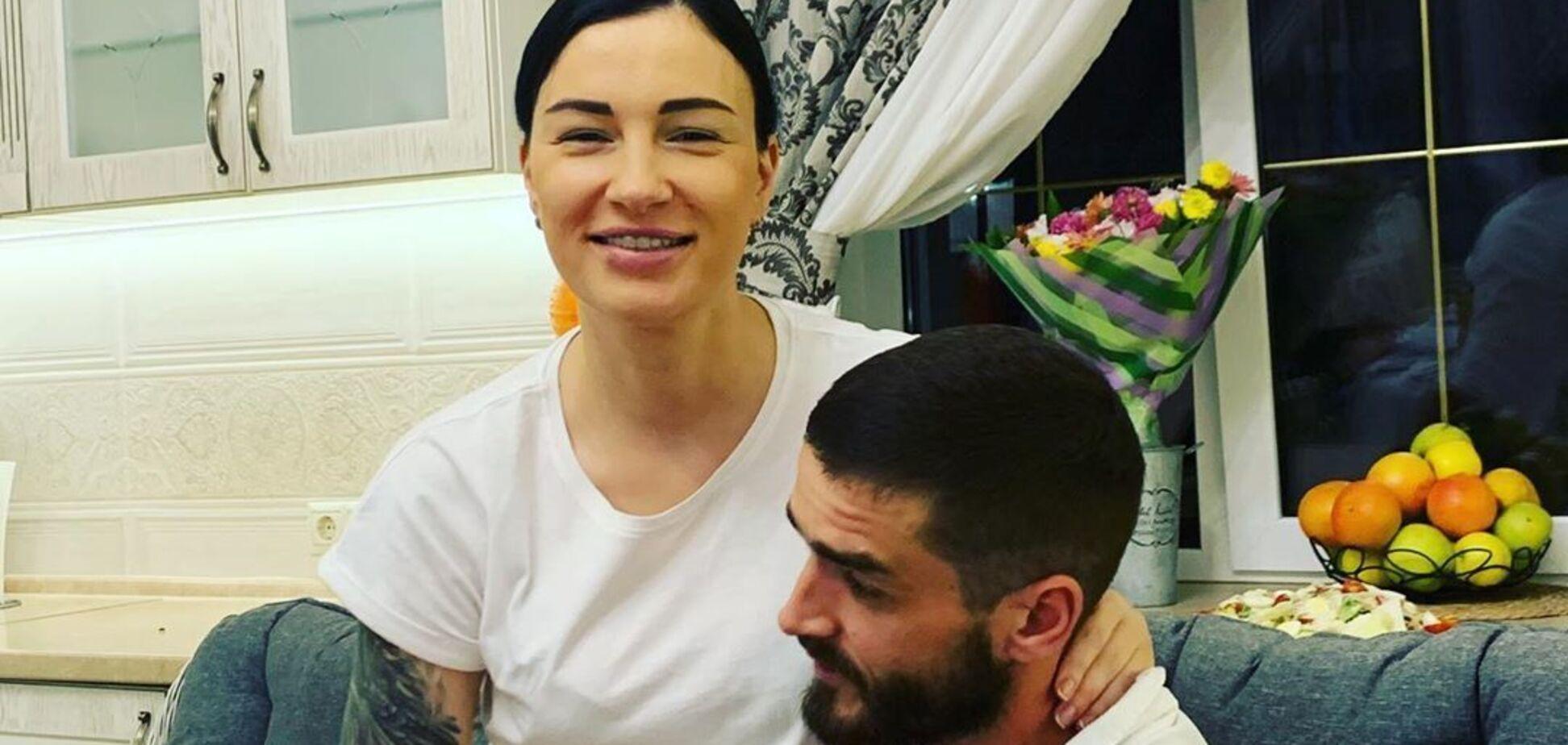 Анастасия Приходько показала редкие фото мужа