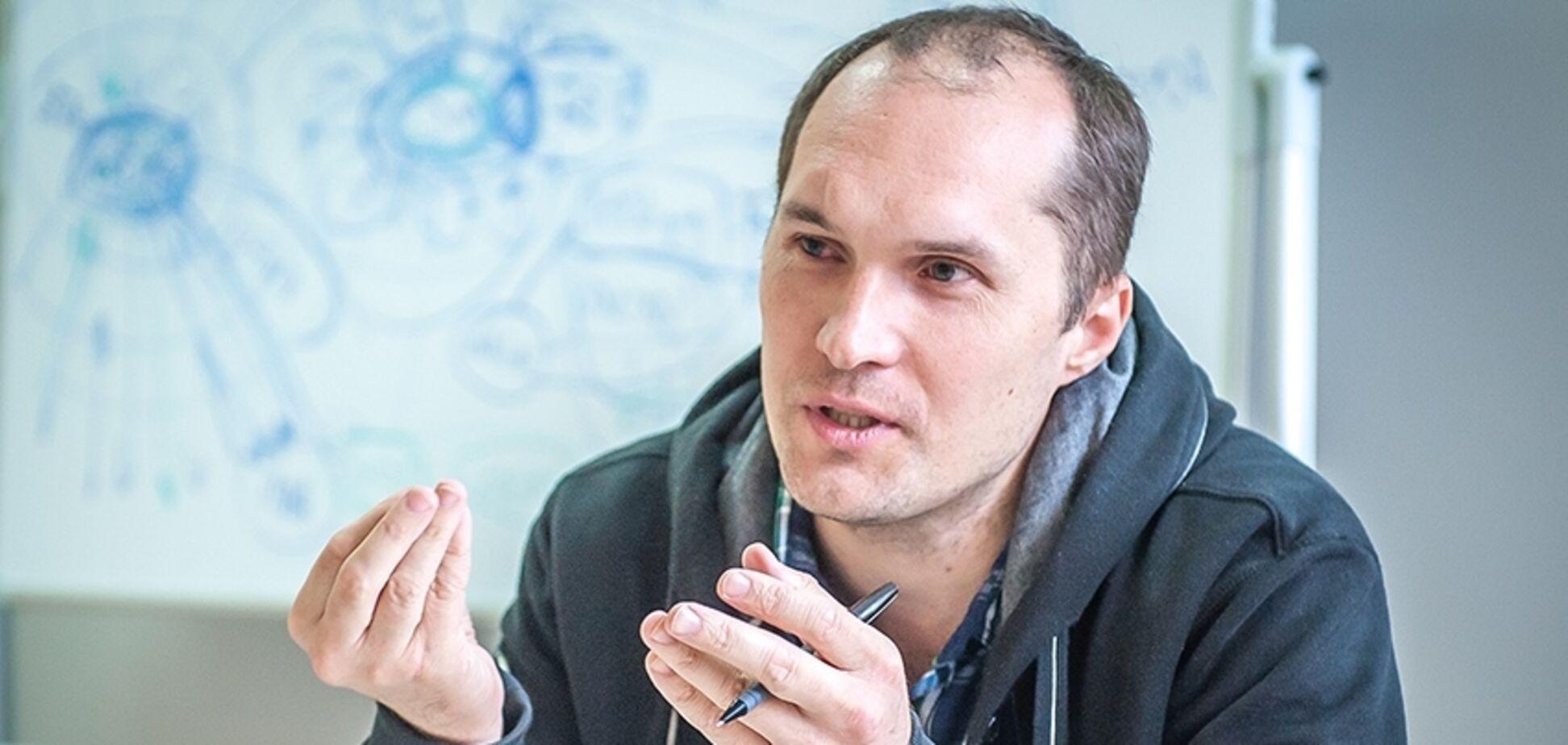 Бутусов: Зеленский уже месяц не подписывает санкции против контрабандиста Акста