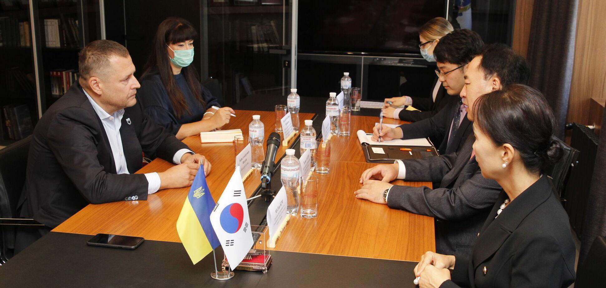 Мэр Днепра и посол Кореи в Украине обсудили перспективы экономического сотрудничества