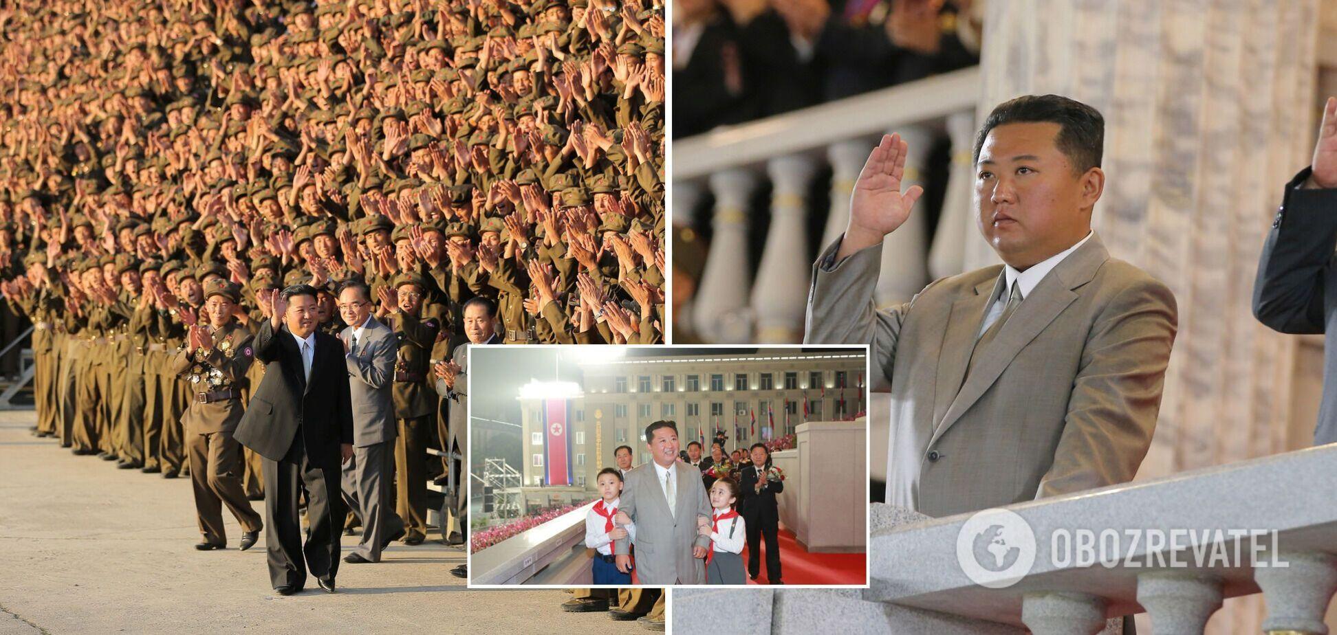 Ким Чен Ын на военном параде удивил внешним видом: похудел и 'помолодел'. Фоторепортаж