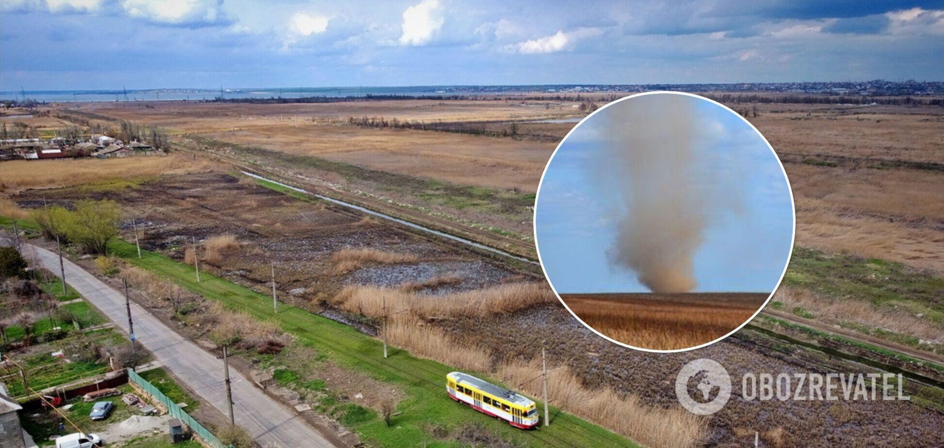 В Одесской области пронесся 'пылевой дьявол': природное явление попало на видео