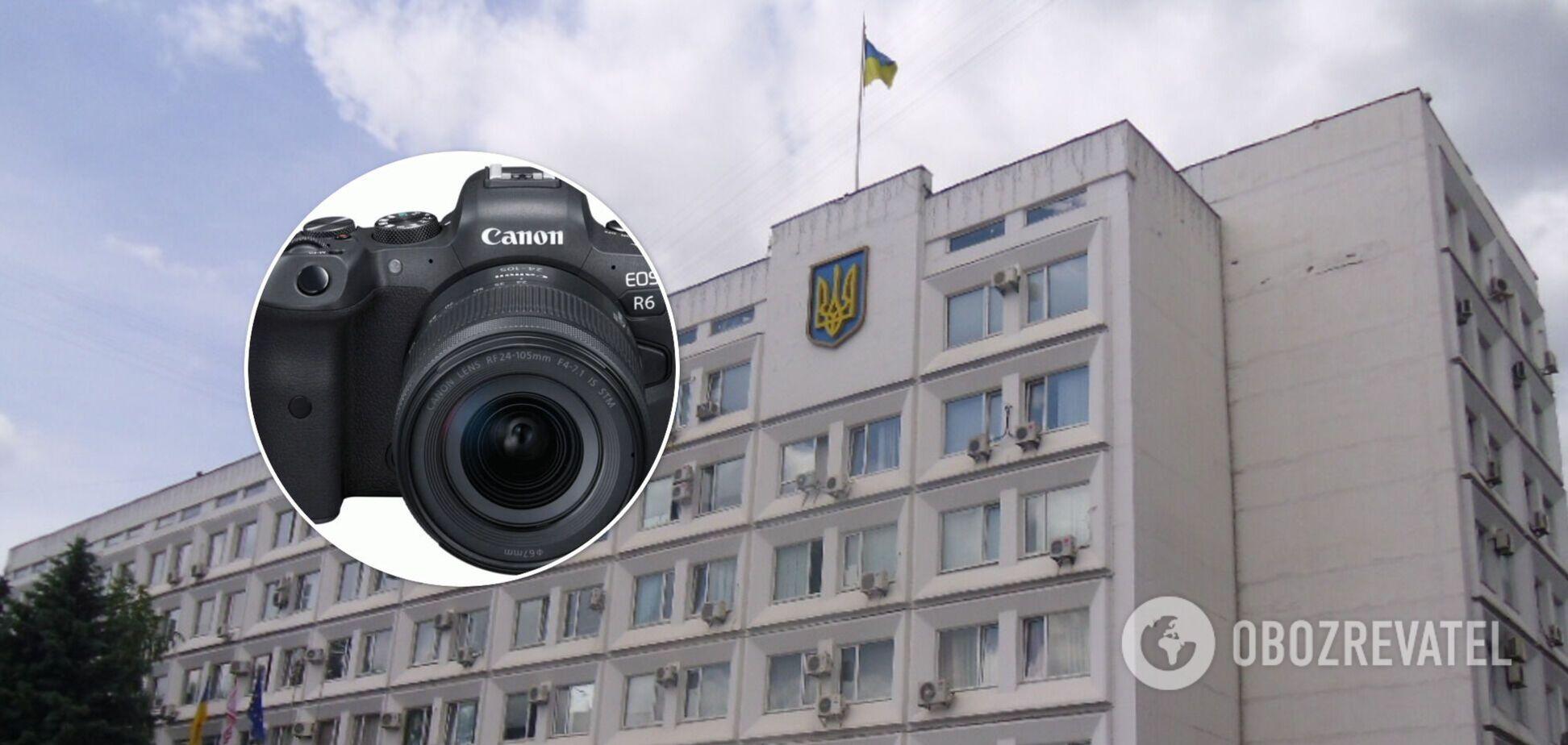 Фотоапарат за 86 тисяч і телевізор за 50: черкаські чиновники вирішили витратитися на техніку