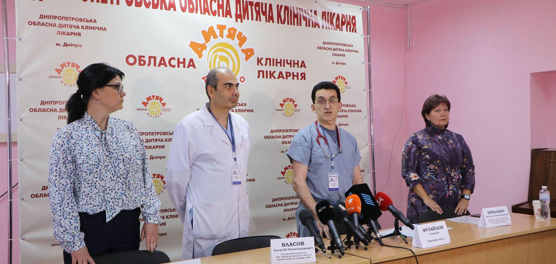 У Дніпрі опікові хірурги із США розпочали безкоштовно оперувати українських дітей