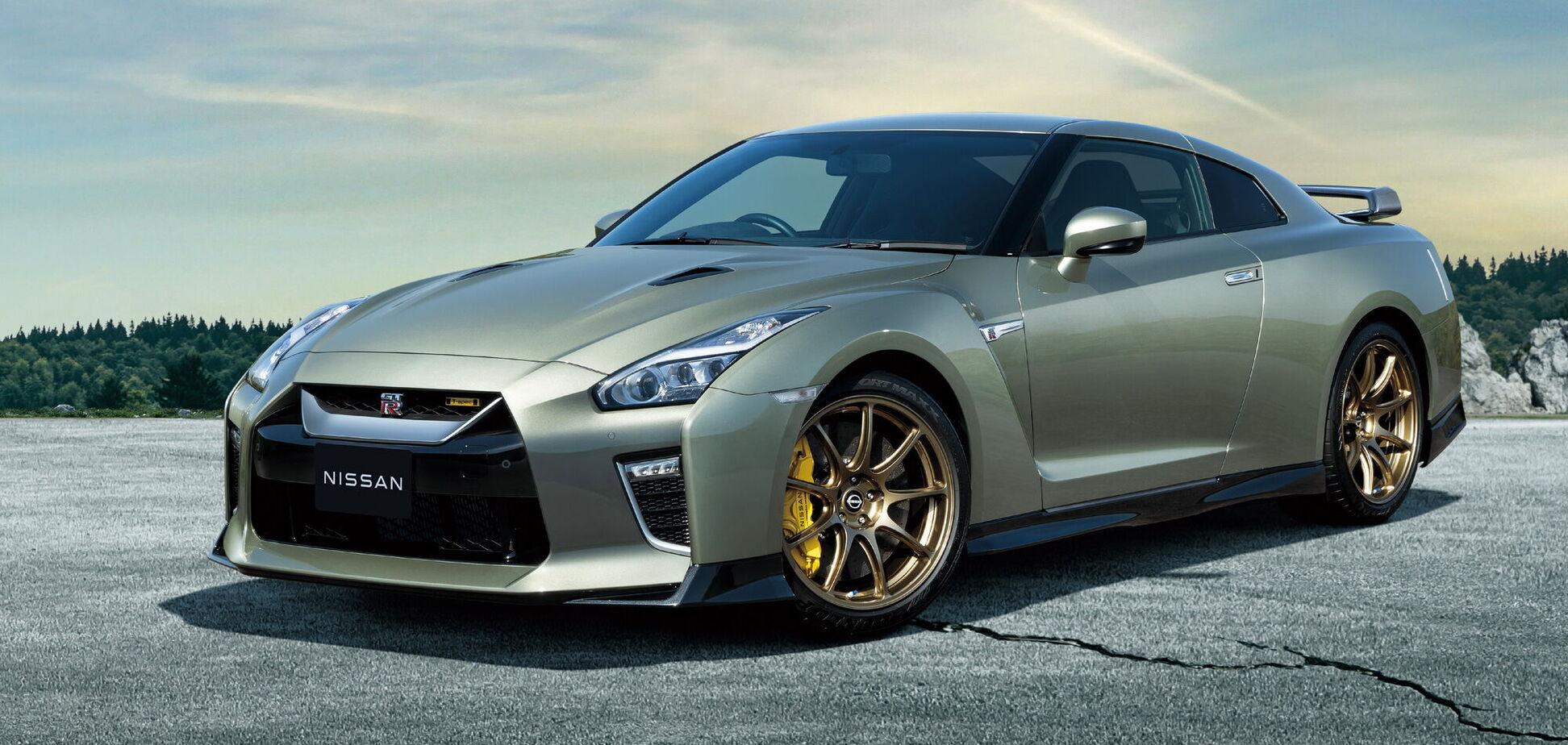 Nissan представив нові версії спорткара GT-R