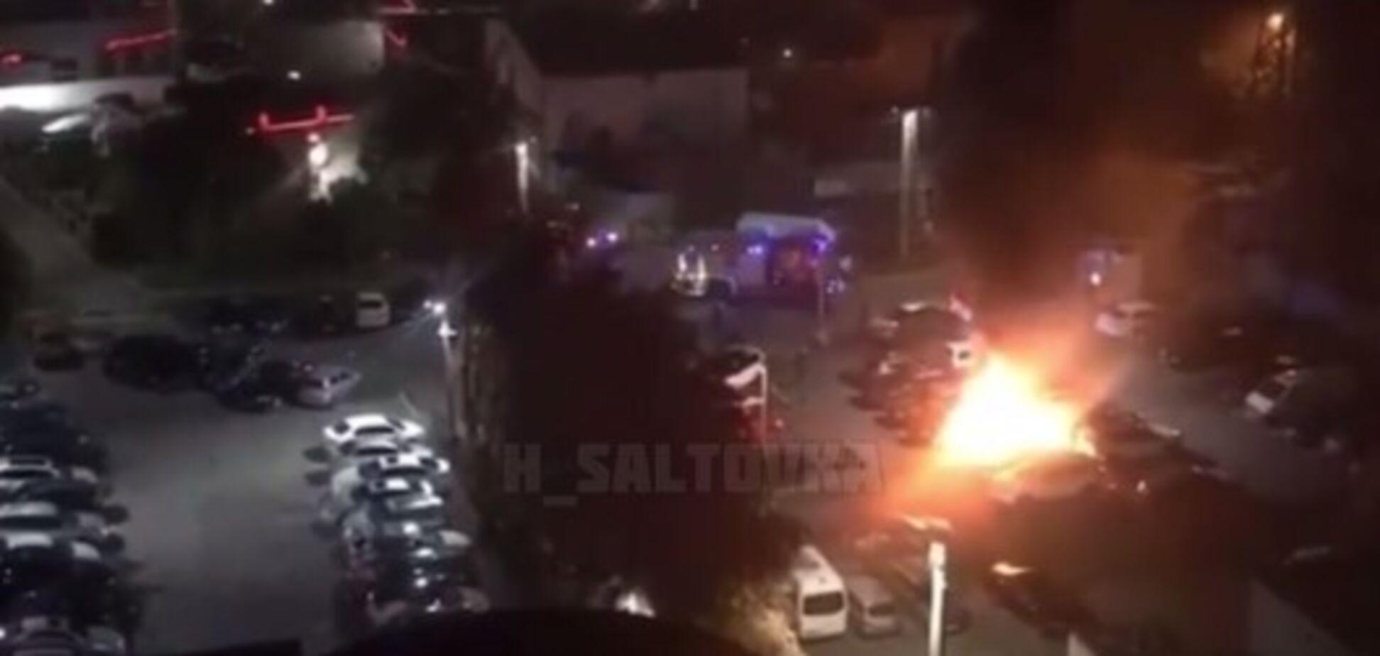 В Харькове на парковке сгорело авто топ-правоохранителя