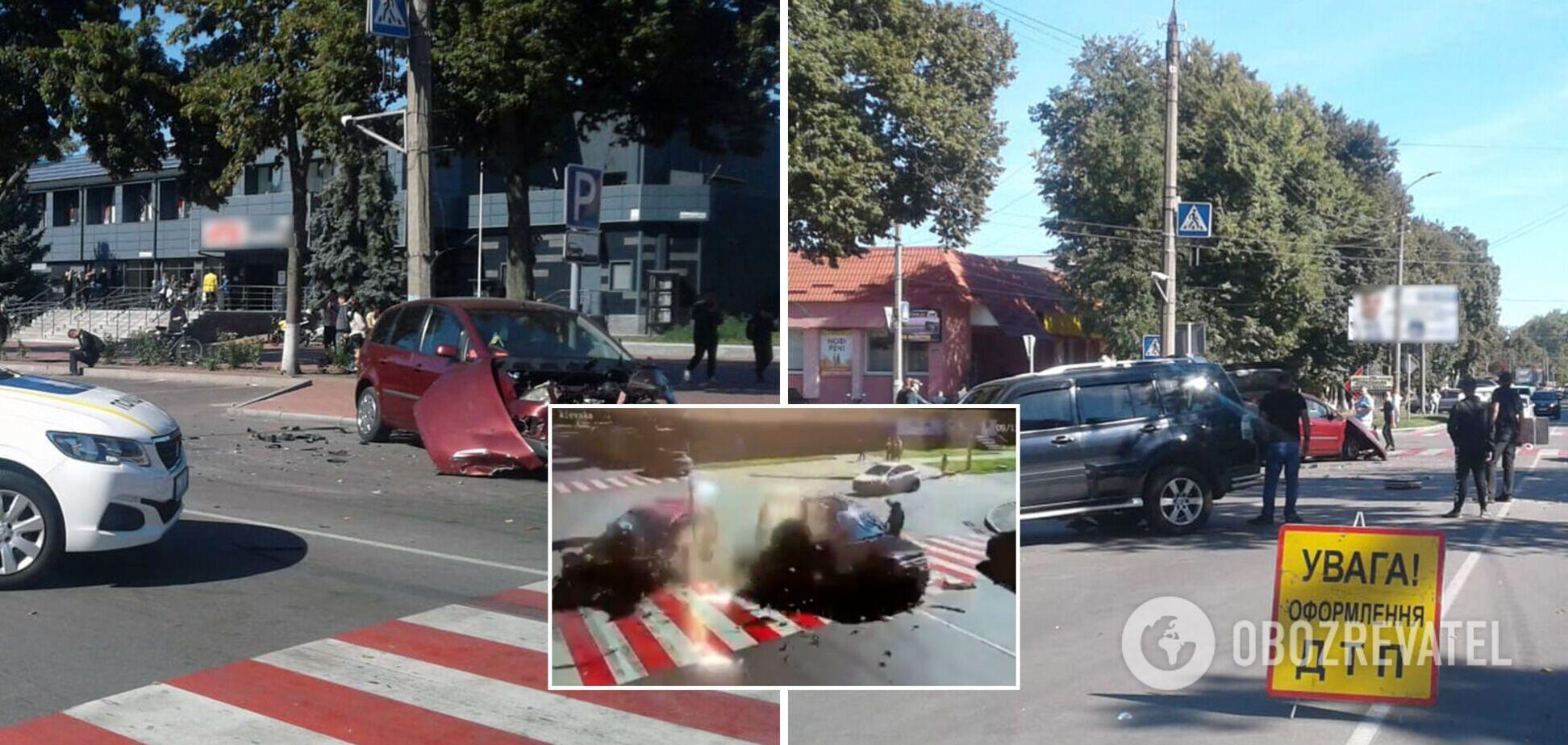 На Черниговщине мужчина чудом спасся во время ДТП: авто пронеслось прямо перед ним. Видео