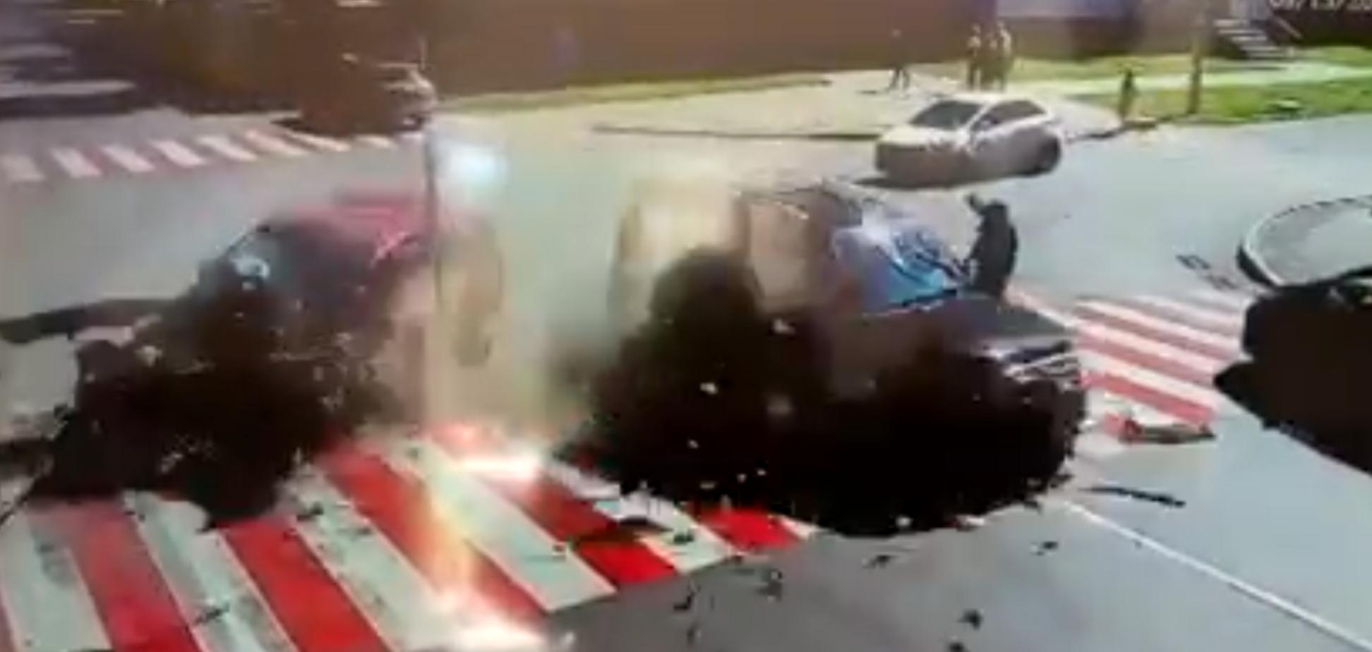 В Прилуках авто после столкновения чудом не сбило пешехода