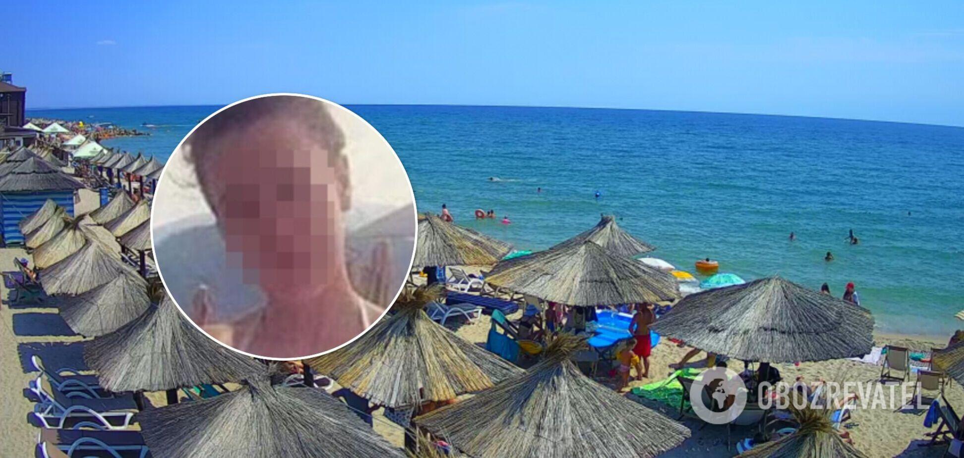 Женщина рассмешила пользователей сети неудачным кадром на пляже. Фото