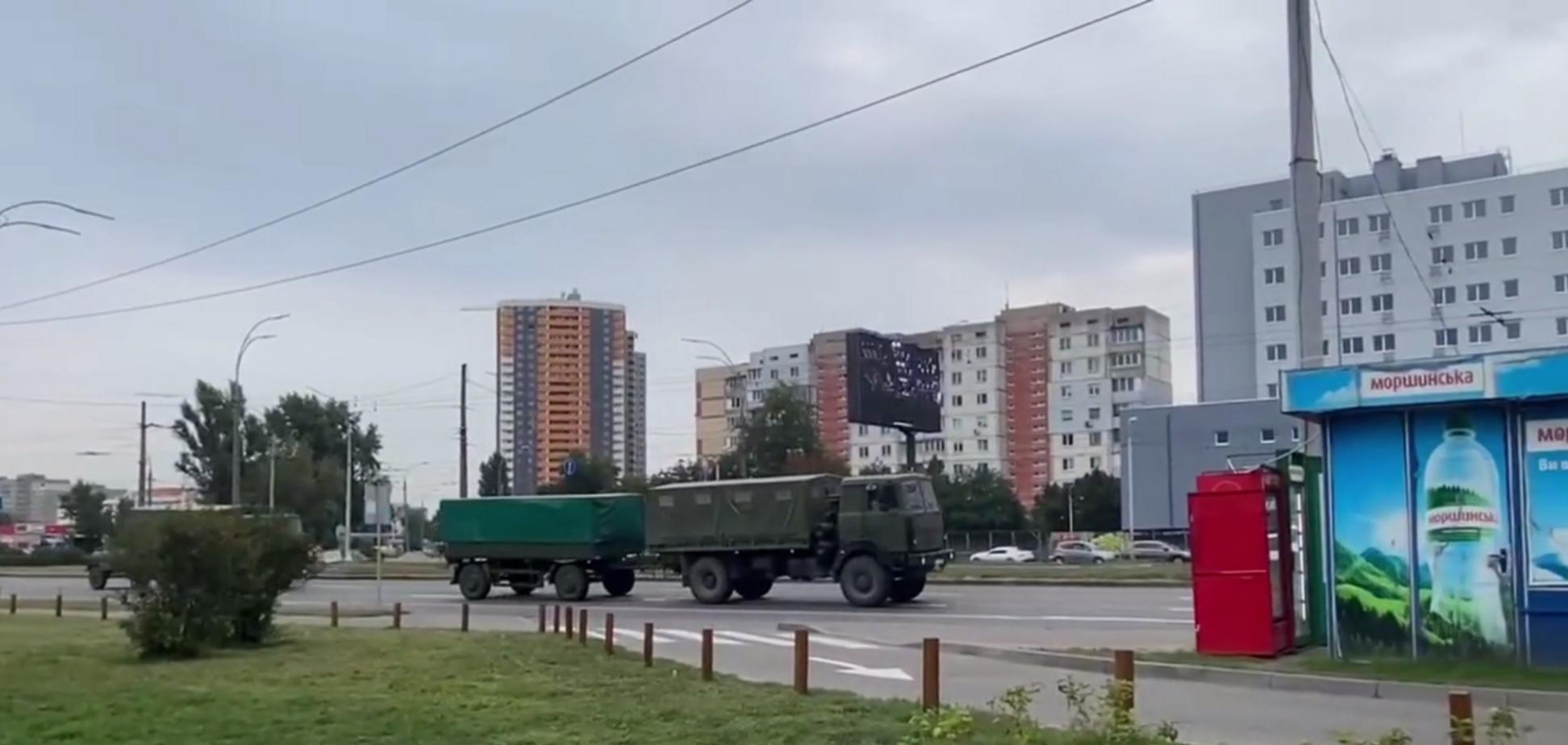 Военная техника на улице города