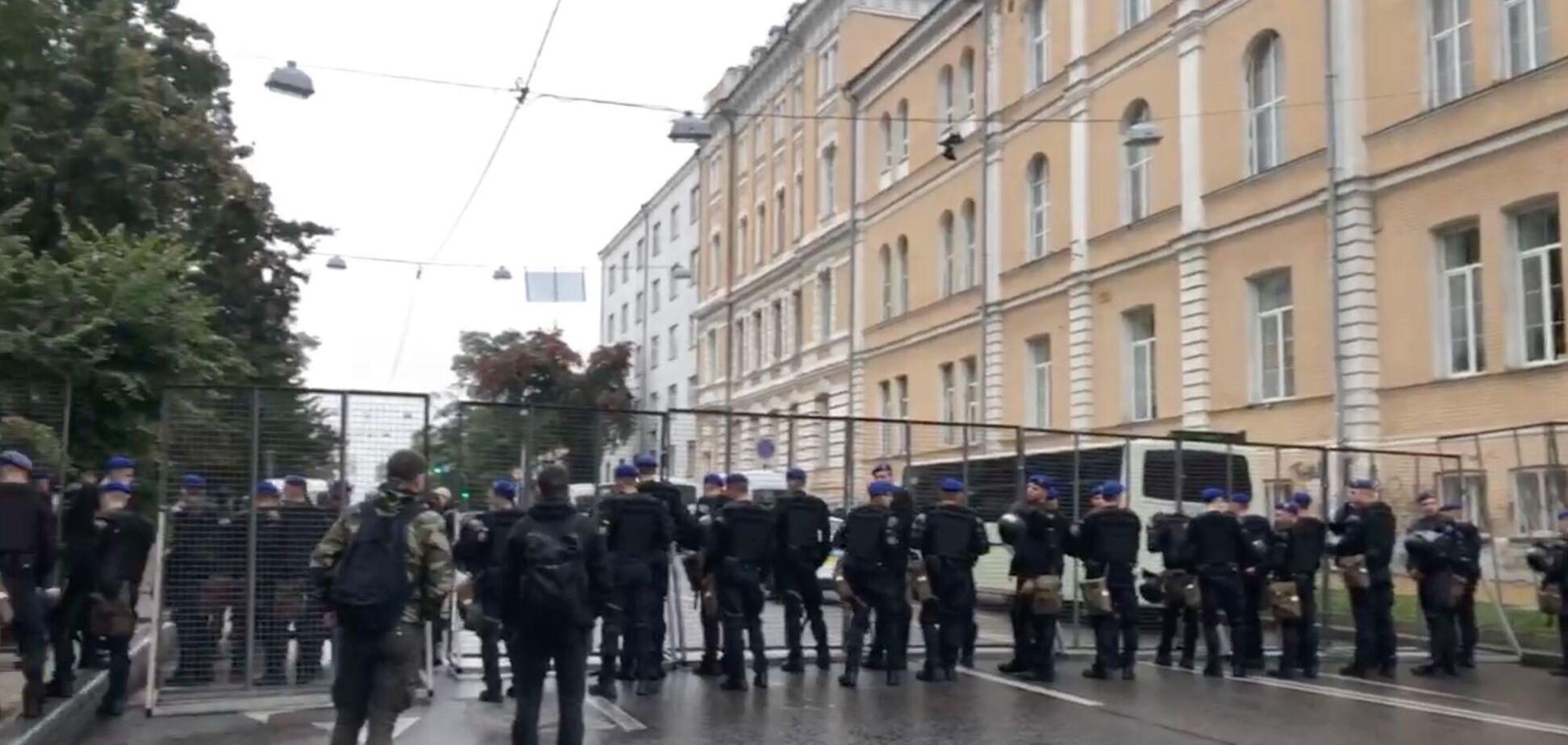 В Киеве проходит ЛГБТ-марш, полиция усилила меры безопасности