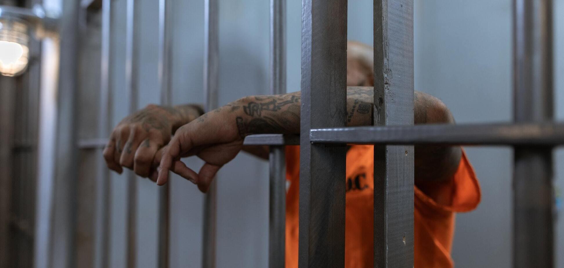 В Великобритании выпустили из тюрьмы убийцу двух детей