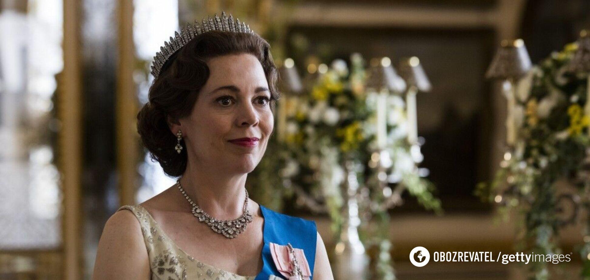 Звезда 'Короны' расплакалась на премии 'Эмми-2021': она потеряла отца из-за COVID-19