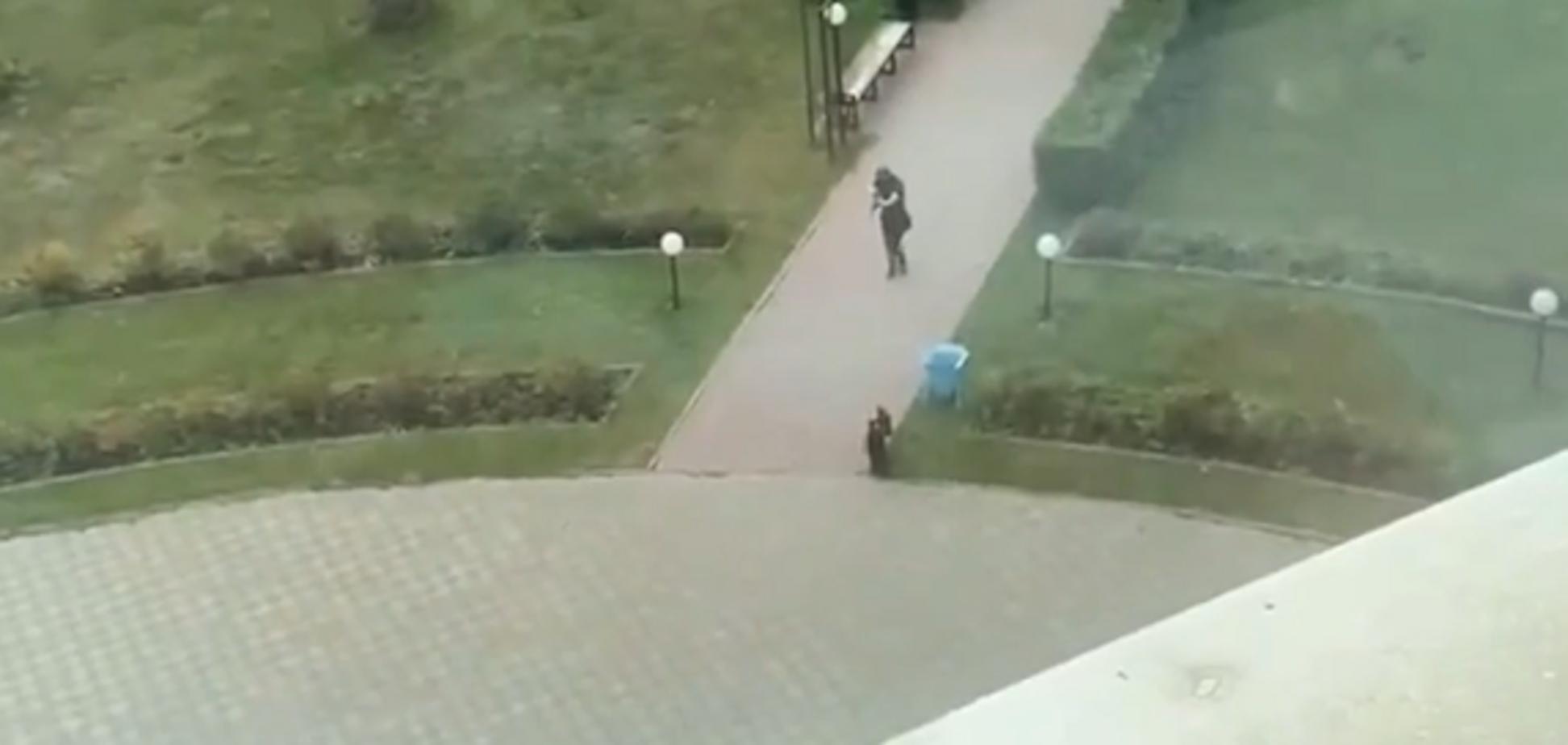 Пермський стрілок рухається до будівлі університету