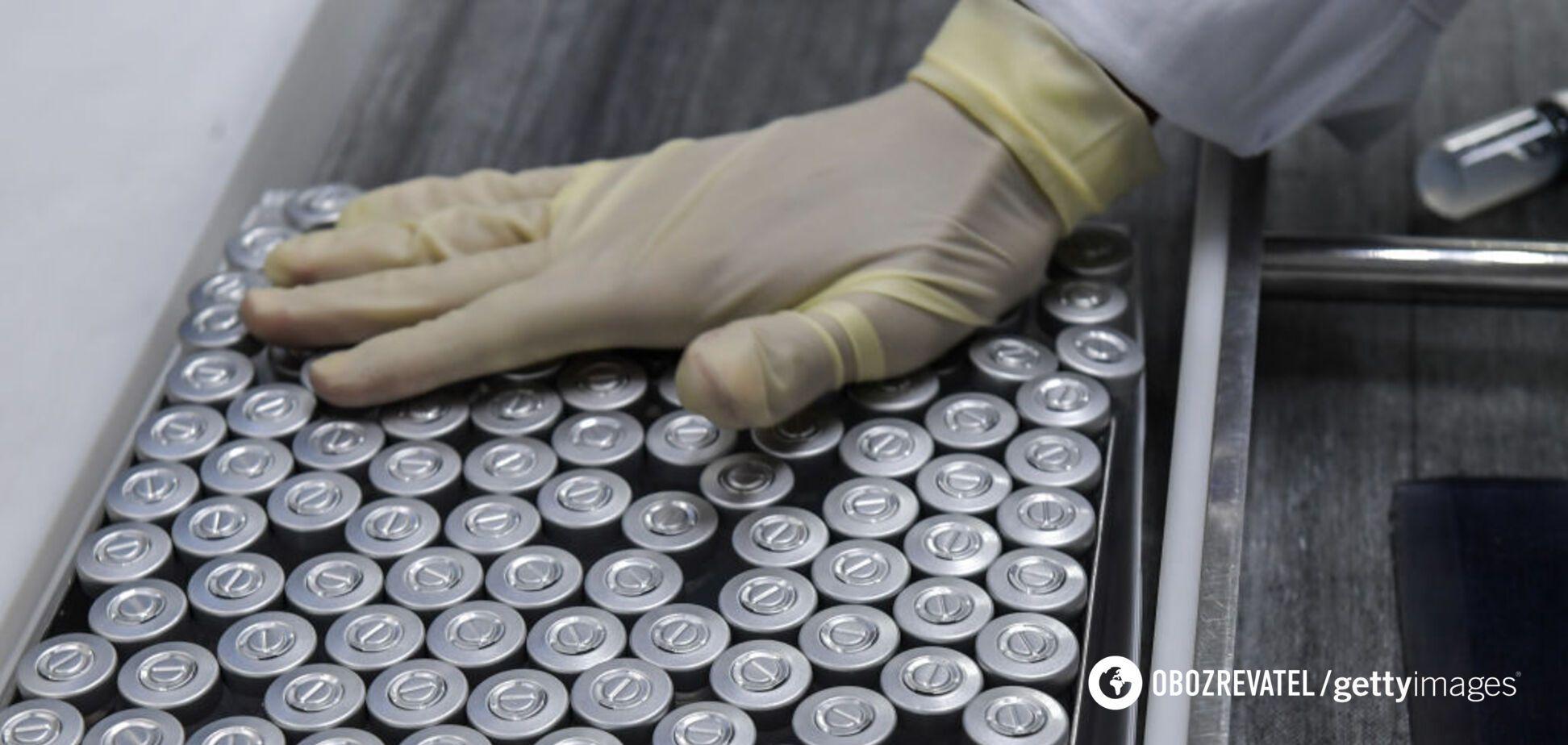 Україна отримала ще 159 тис. доз препарату CoronaVac: як просувається кампанія з вакцинації