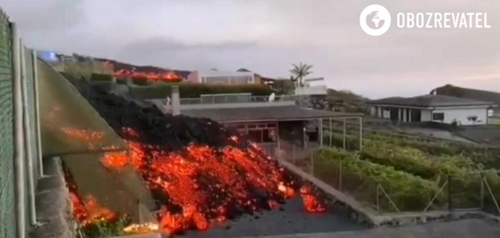 На Канарах раскаленная лава накрыла город
