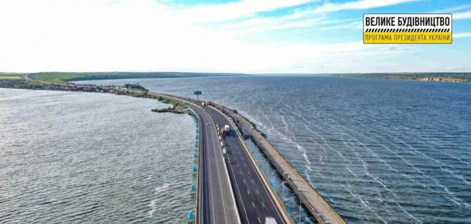 Программа Зеленского за 16 месяцев спасла от разрушений 300 мостов