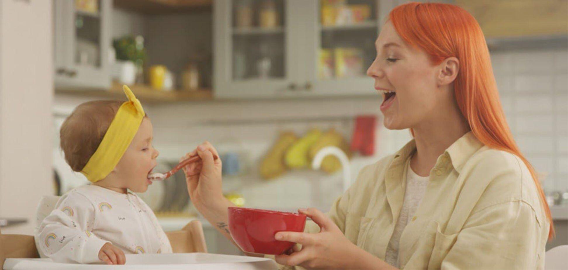 Донька Тарабарової стала обличчям бренду дитячого харчування. Фото