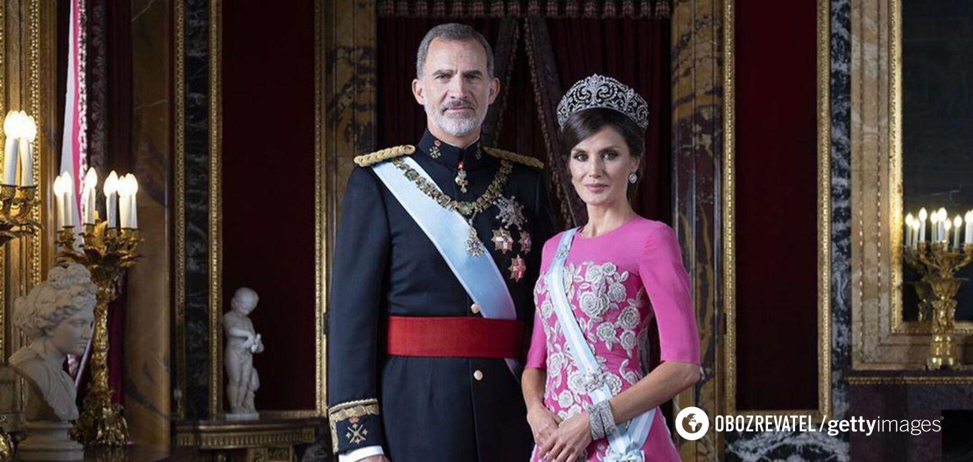 Королева Летиция пришла на встречу в трендовом наряде 2021 года. Фото