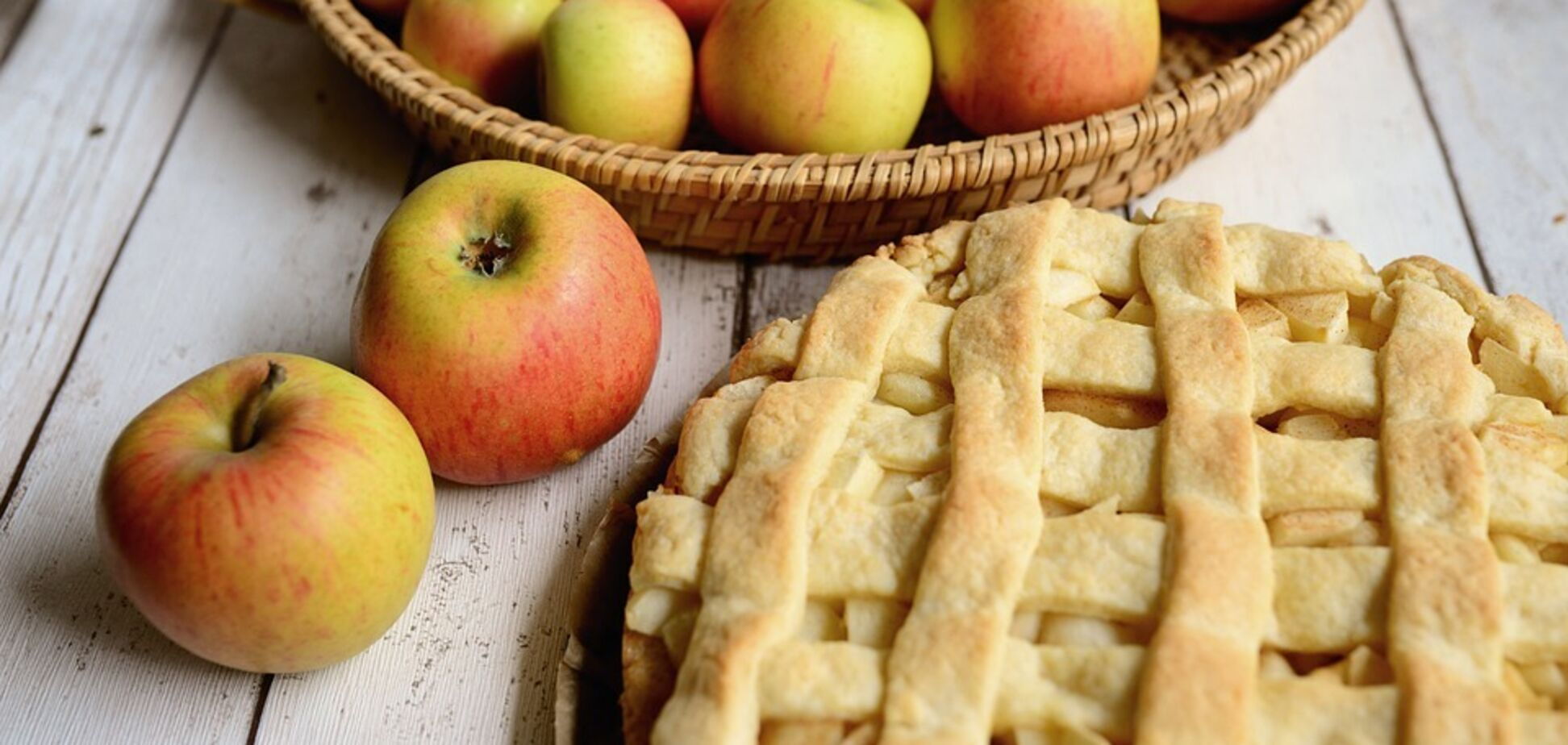 Яблочный пирог: популярные рецепты и секреты приготовления