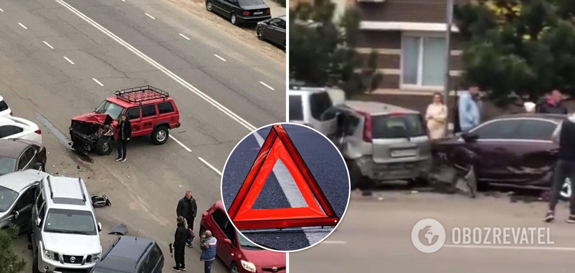 Под Одессой подросток за рулем джипа разбил шесть авто. Видео
