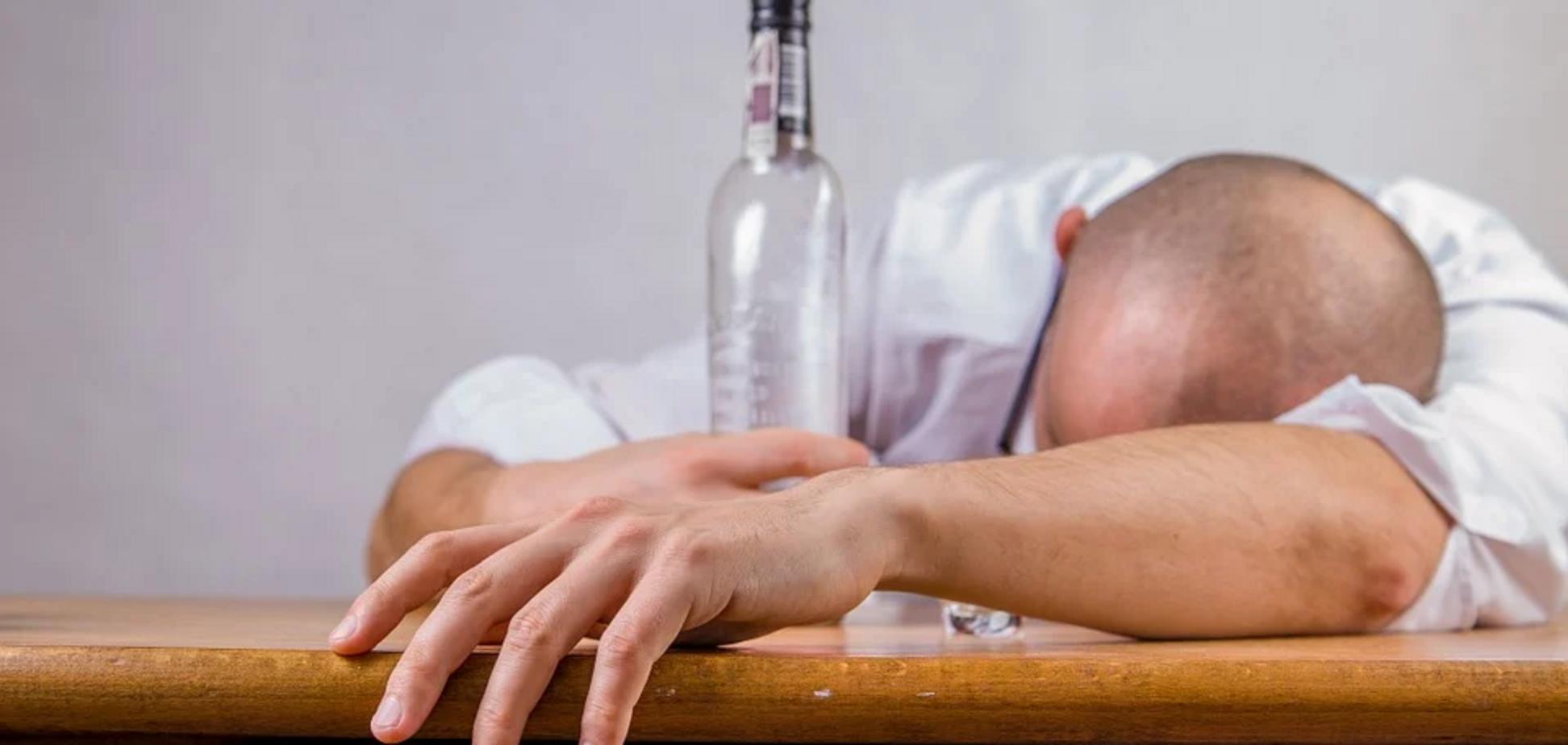 Пити алкоголь при застуді небезпечно