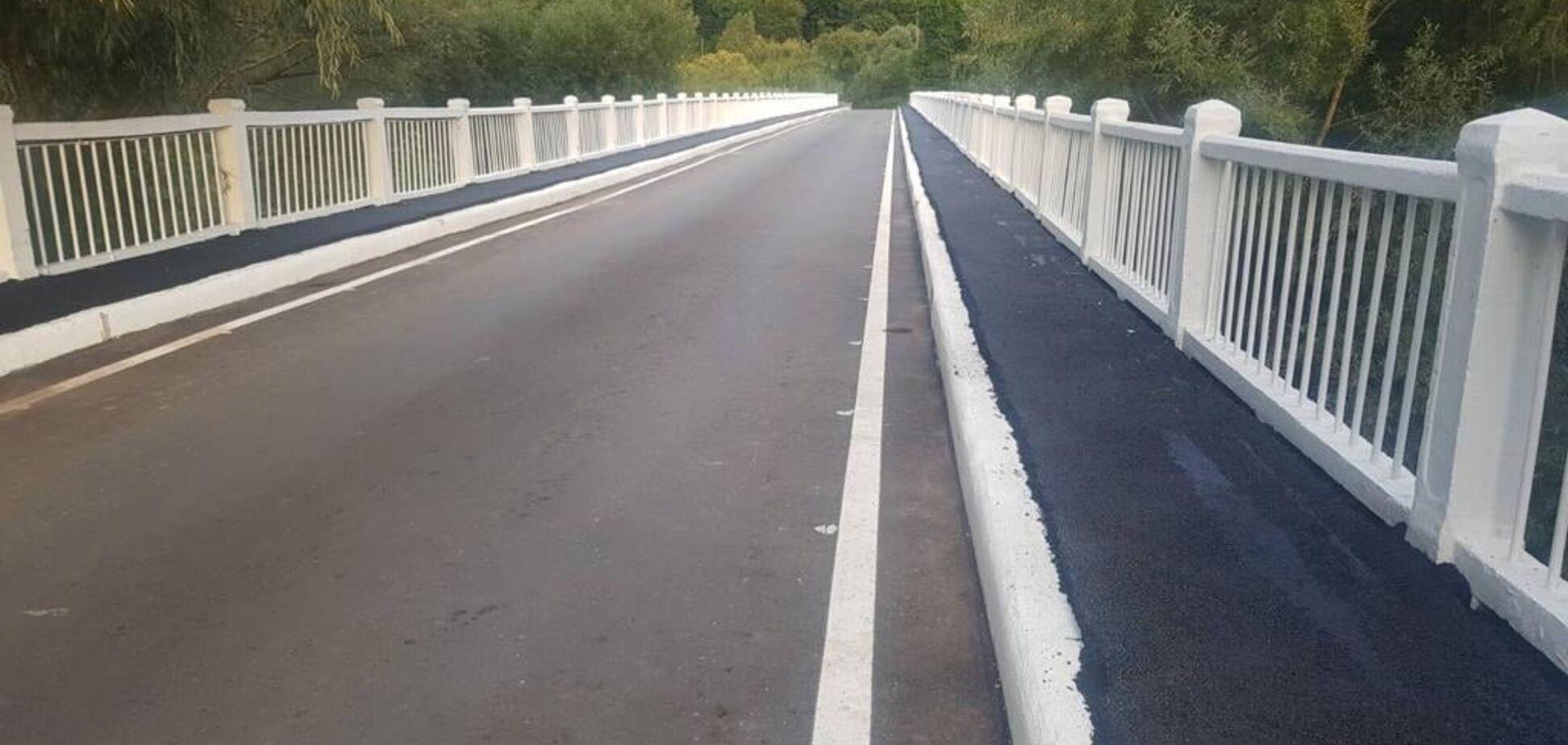 'Большая стройка' восстановила 108-метровый мост к Невицкому замку на Закарпатье