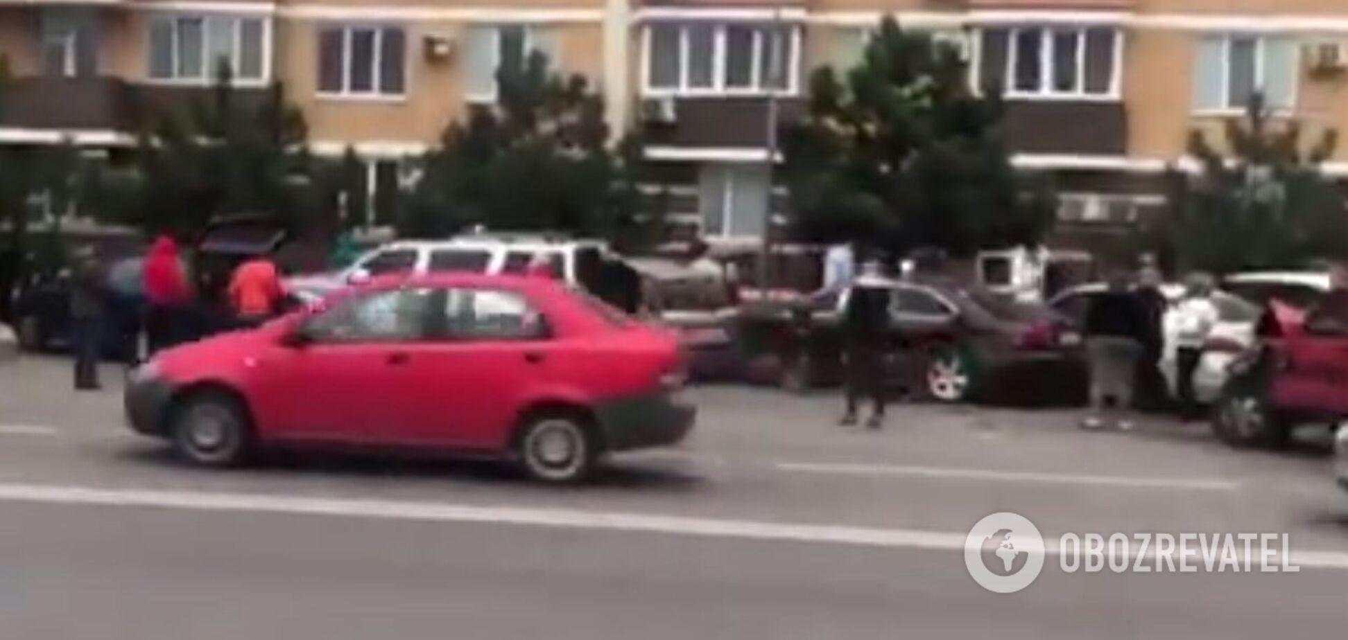 В Одесской области несовершеннолетний на джипе разбил 6 припаркованных автомобилей