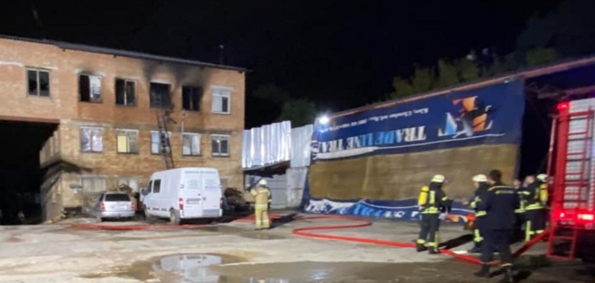 В Киеве горел хостел: один человек погиб, второй спасся, выпрыгнув из окна