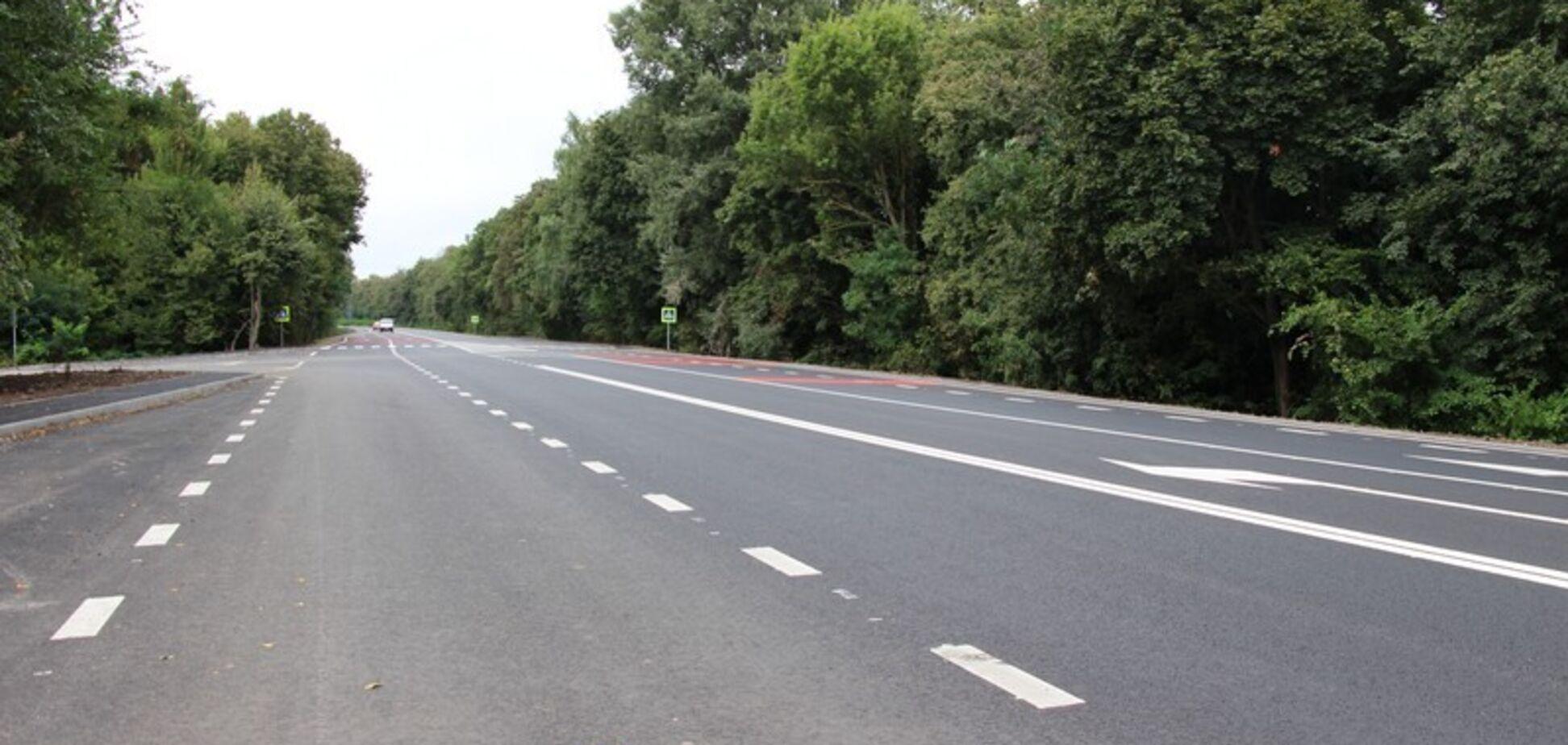По программе Зеленского рекордными темпами отремонтировали 116 км трассы в Молдову