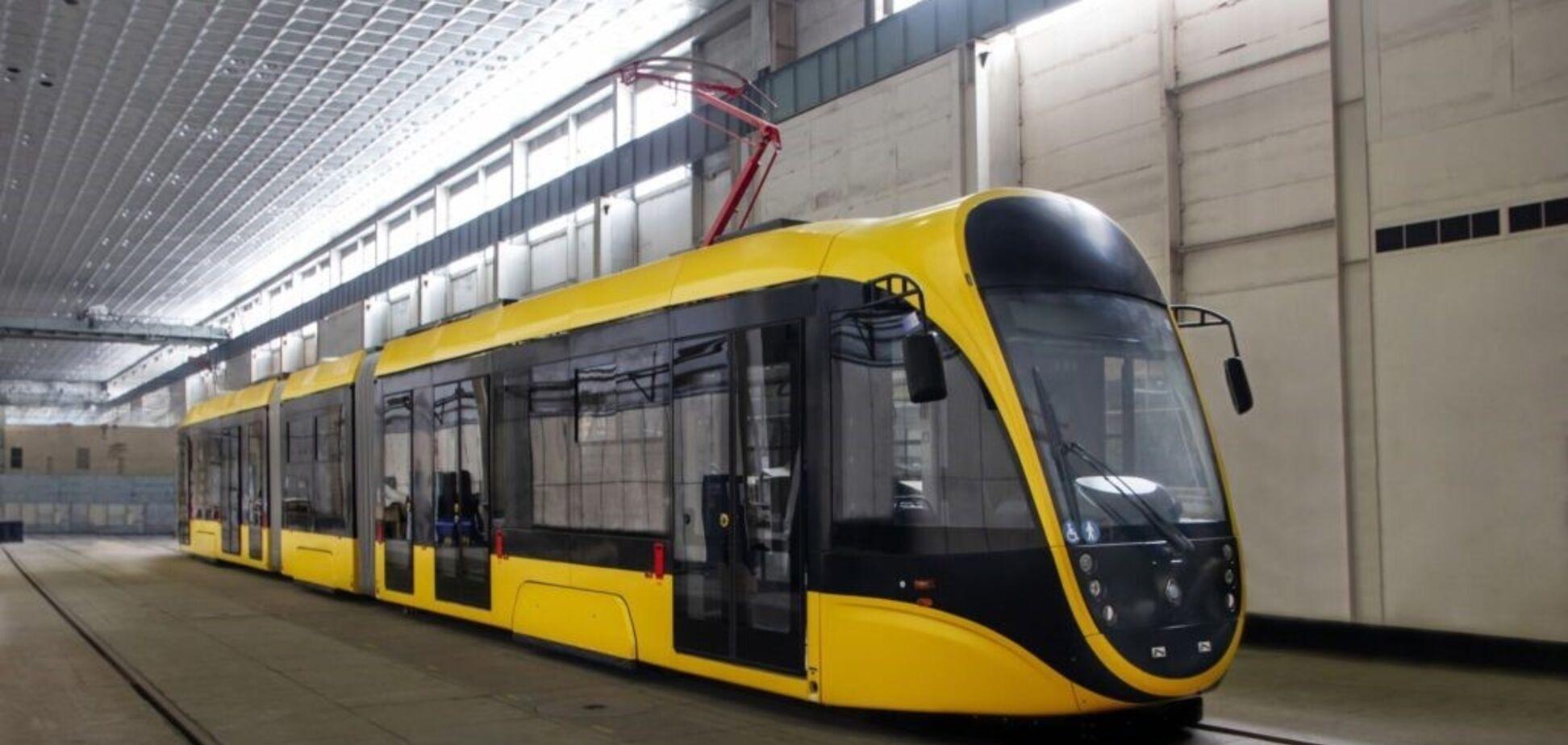Київ отримав перший трамвай із 20-ти, закуплених за ініціативи Мінінфраструктури