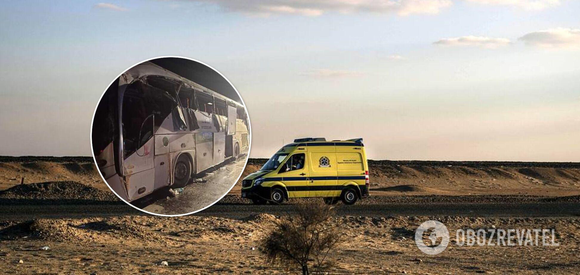В Египте в ДТП попал автобус, следовавший из Шарм-эш-Шейха в Каир: погибли 12 человек. Фото