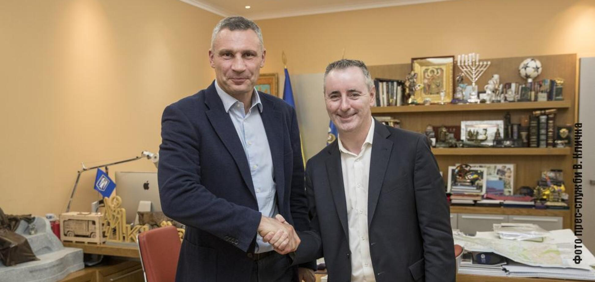 Кличко встретился с сопредседателем группы поддержки Украины в Конгрессе США: о чем говорили. Фото