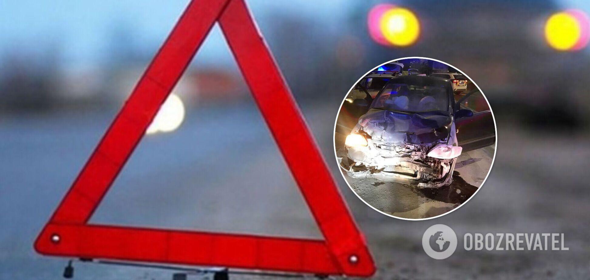 Во Львове пьяный водитель протаранил авто патрульных, пострадали три человека. Фото