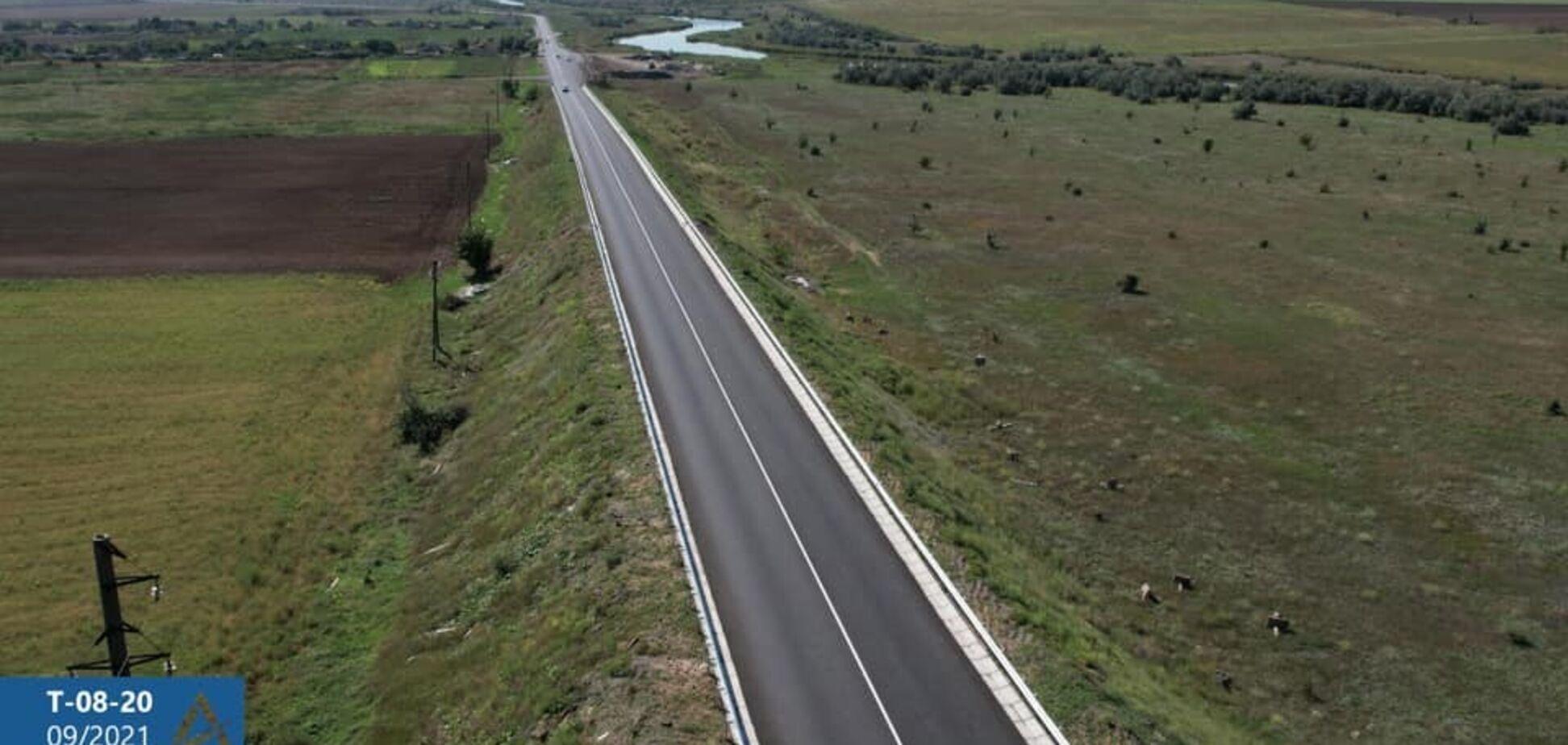 В Запорожской области завершают ремонт дороги, что ведет к курорту Кирилловка на Азовском море