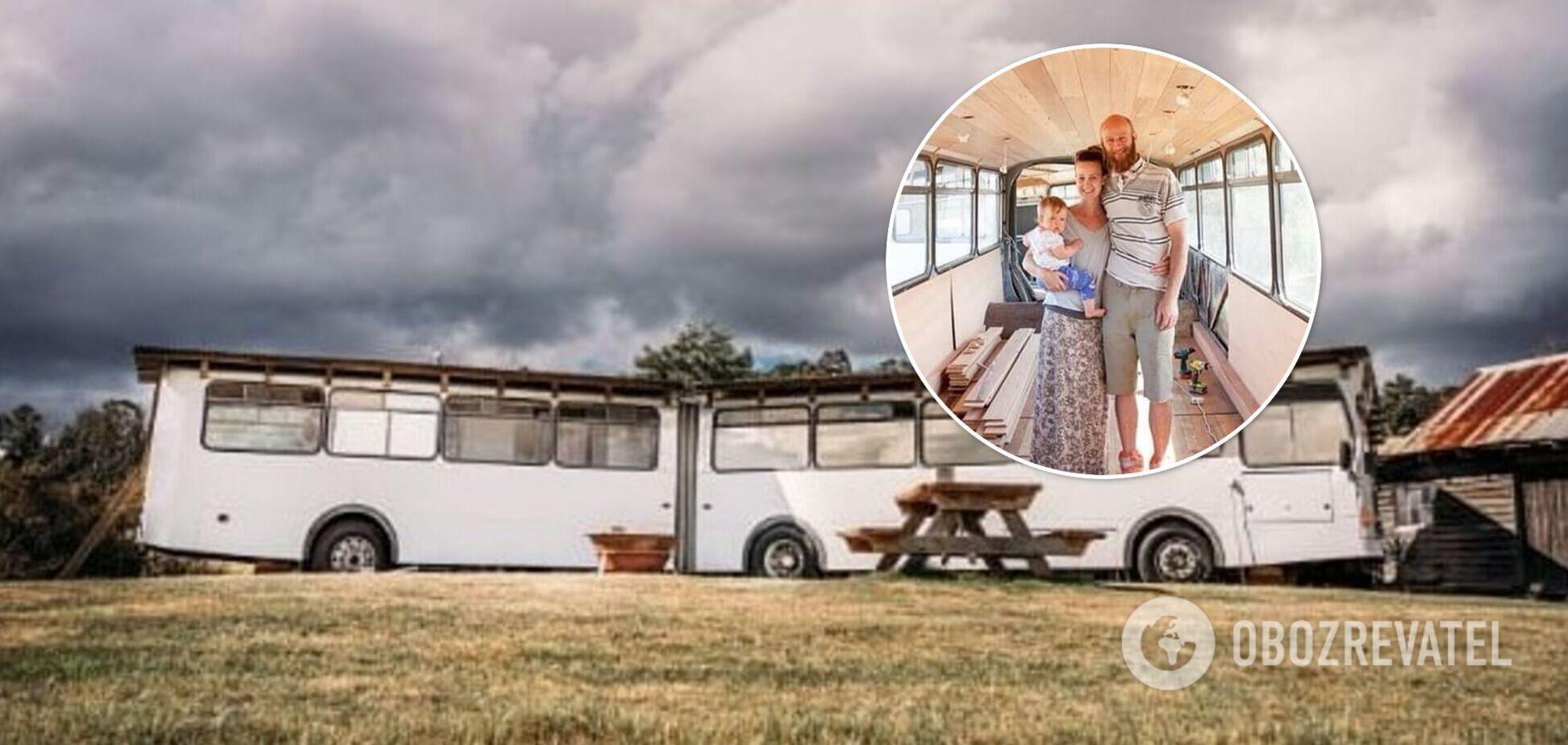 Семья с маленькими детьми год жила в автобусе за $6000. Фото